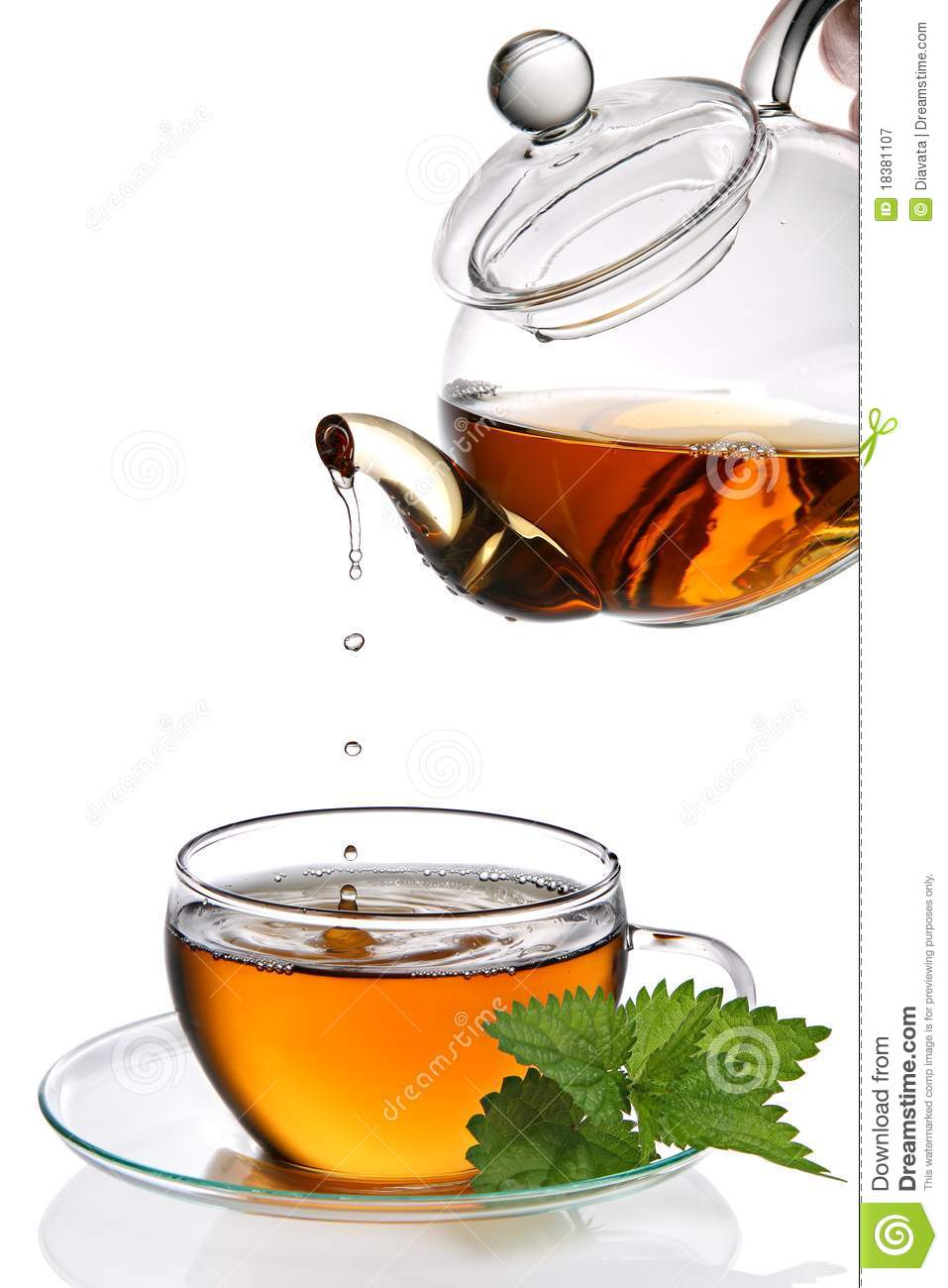 tea dripping into cup royalty free stock photography