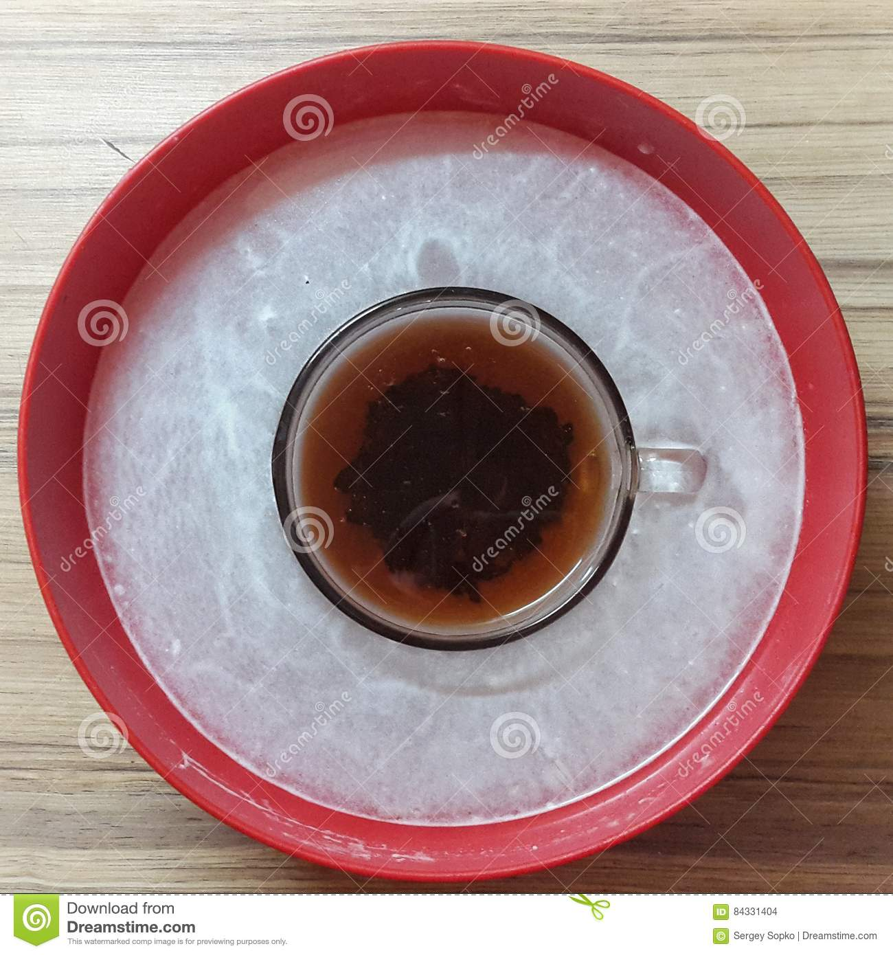 Tea Cup Bag in a red bowl. BACKGROUND