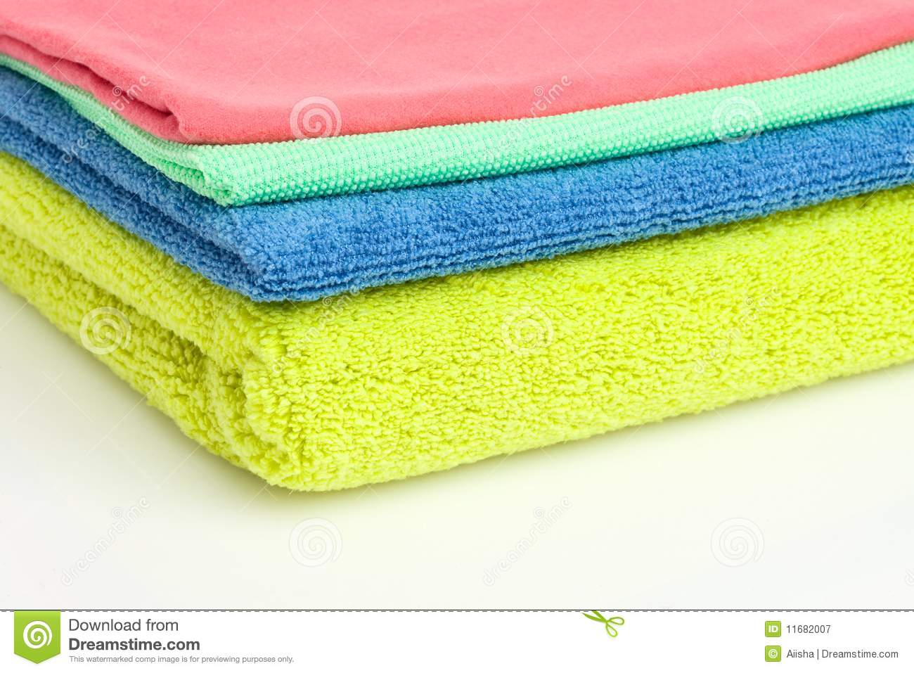 how to clean coloured pillows