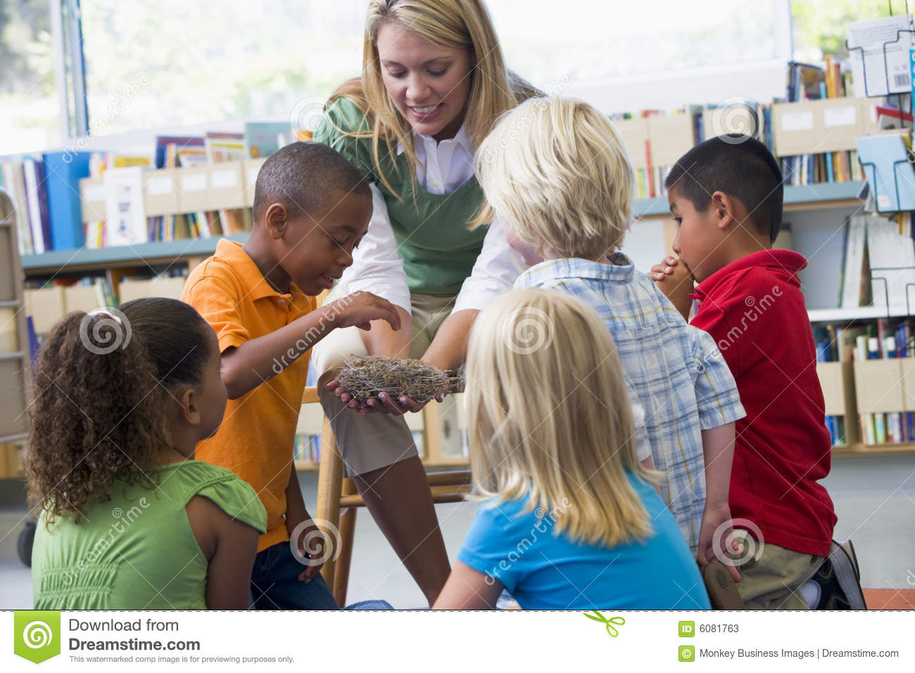 how to teach in a play school