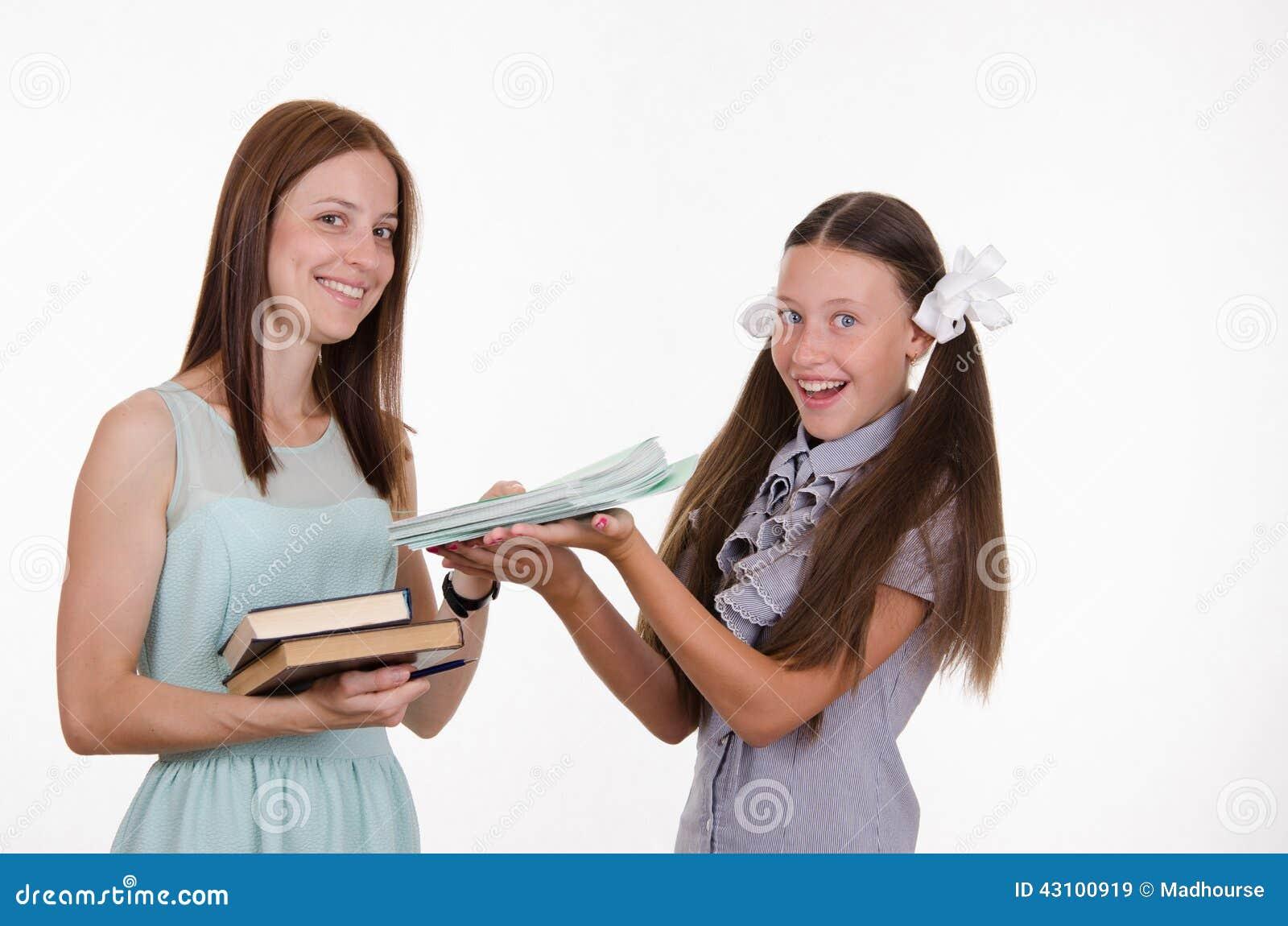 Учитель с ученицей 10 фотография