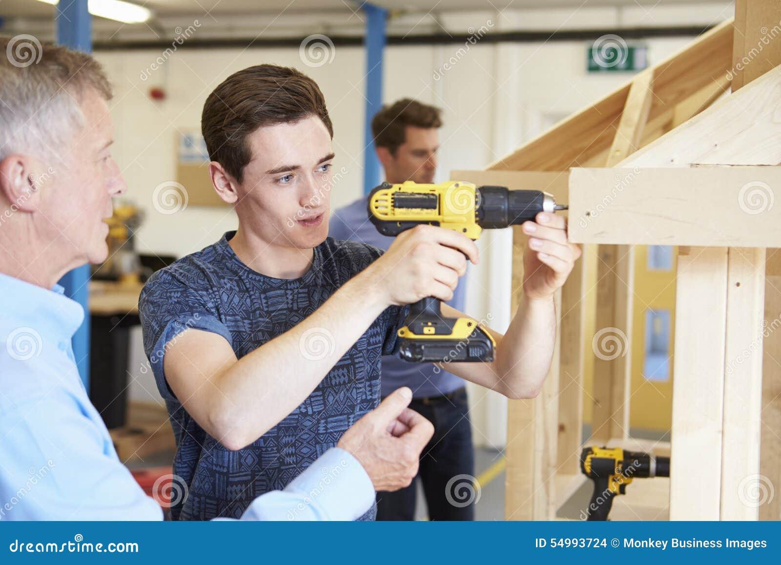 how to become a carpentry teacher