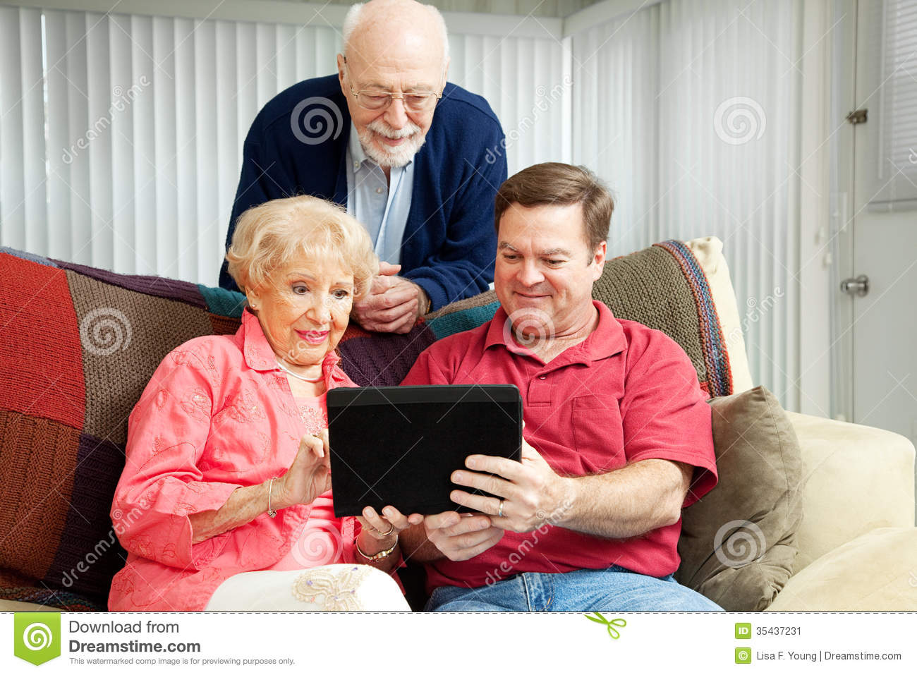 Teaching Seniors to Use Tablet PC