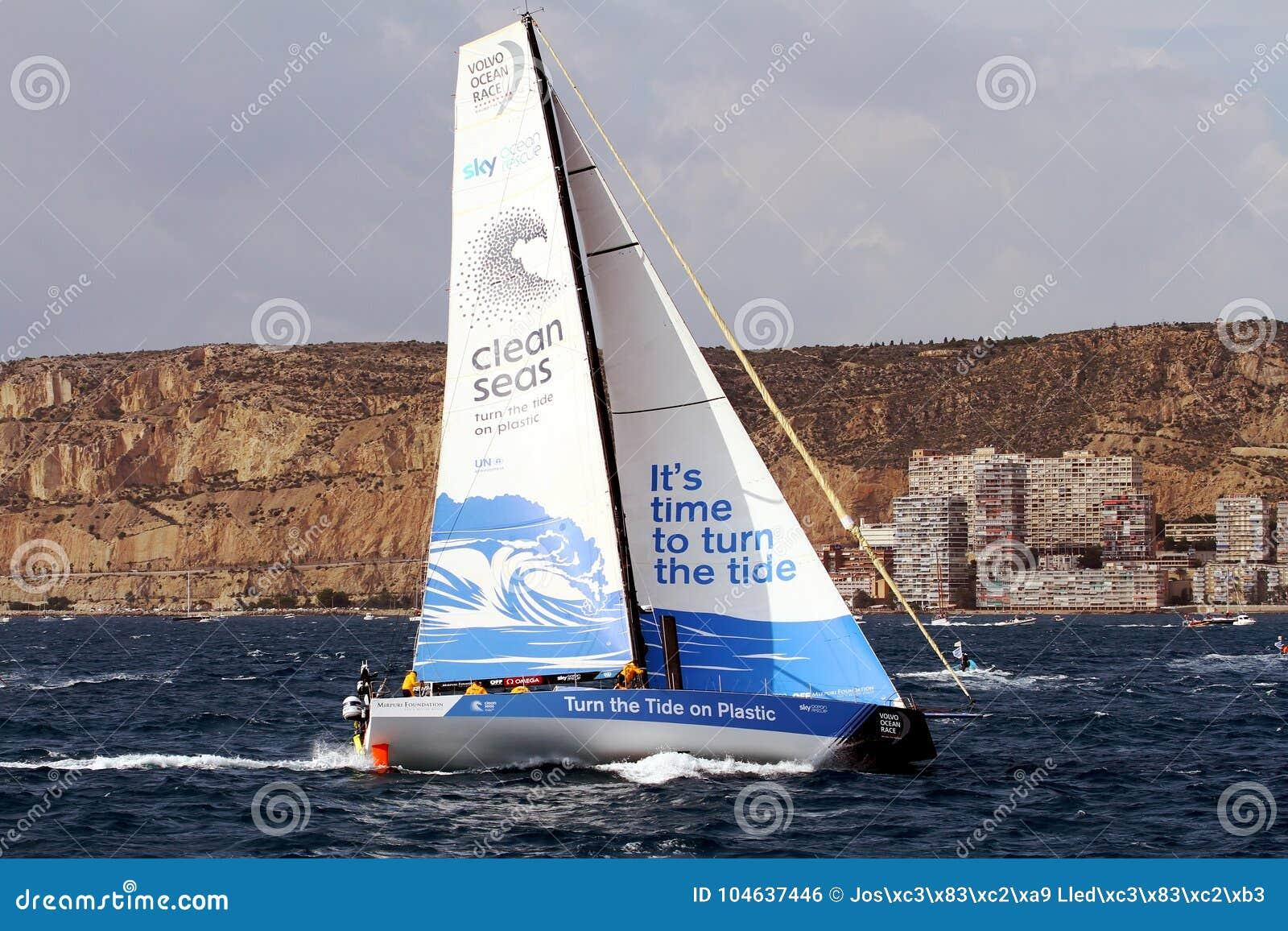 Download Team Clean Seas Die Na Beginbeen 1 Alicante-Lissabon Varen Redactionele Foto - Afbeelding bestaande uit clean, groot: 104637446