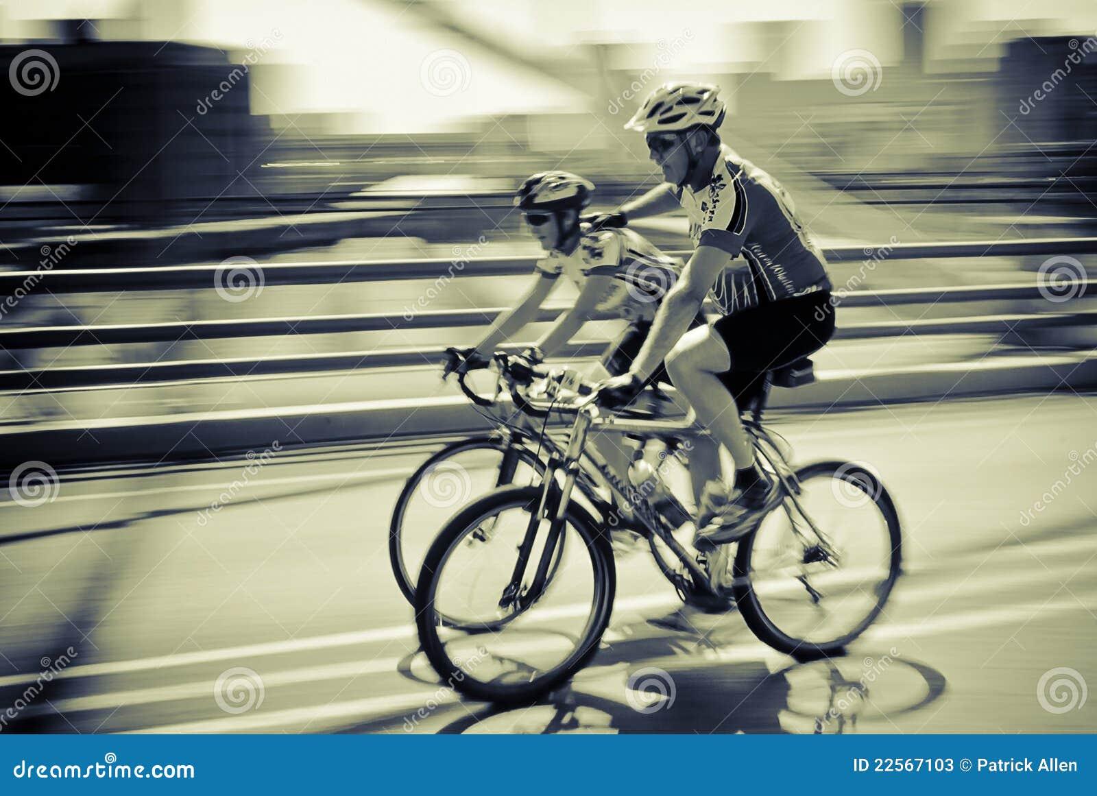 Team-Radfahrer - 94.7 Schleife-Herausforderung