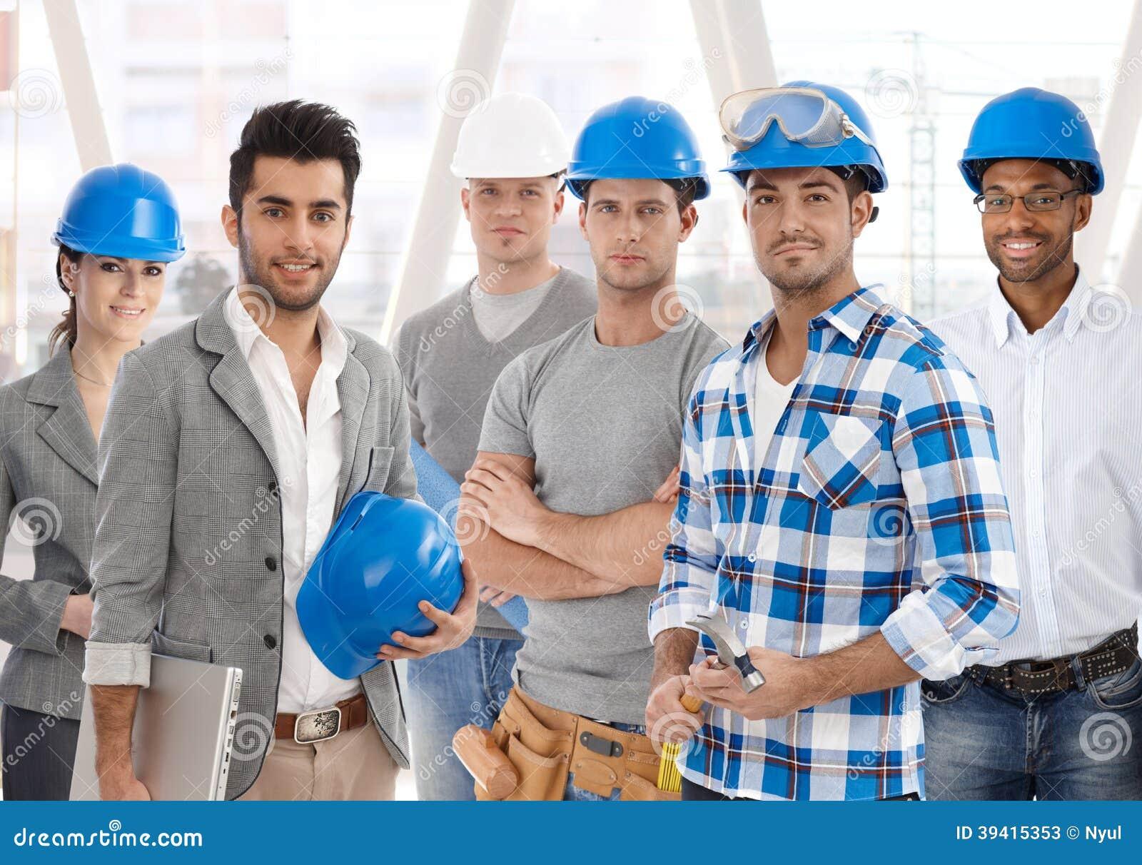Team von verschiedenen Leuten vom Bauwesen