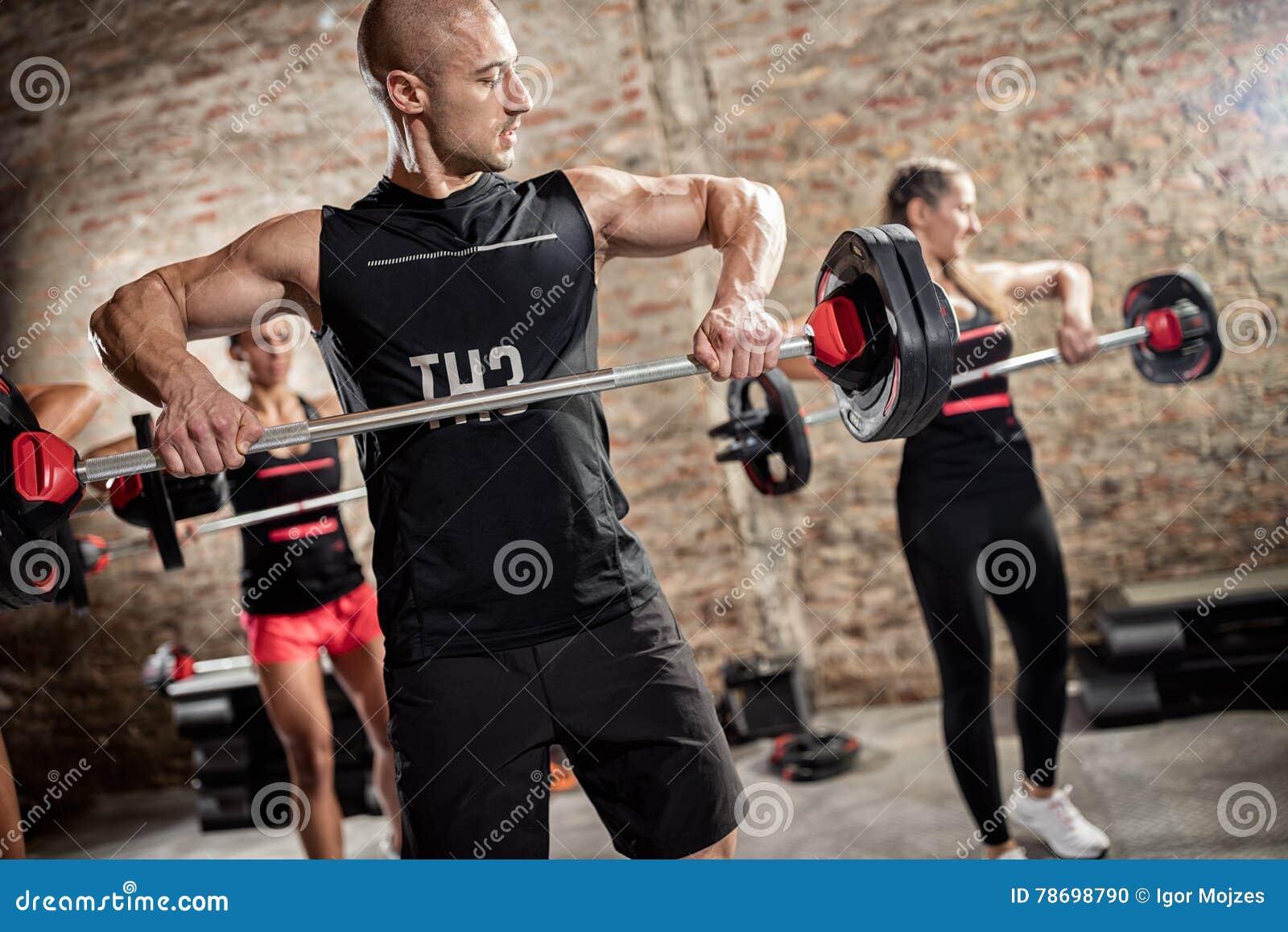 Teamtraining met gewichten