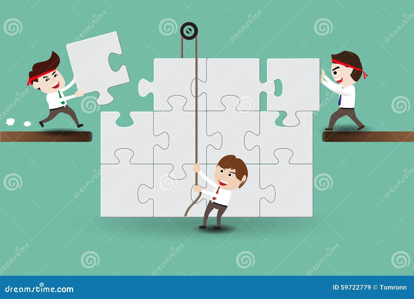 Teamwork, Geschäftsmänner, die Stücke eines Puzzlespiels zusammenbauen