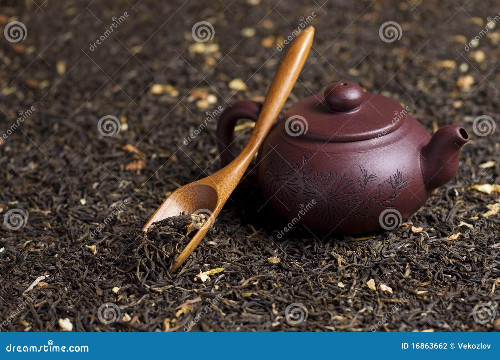 Teapot com chá verde