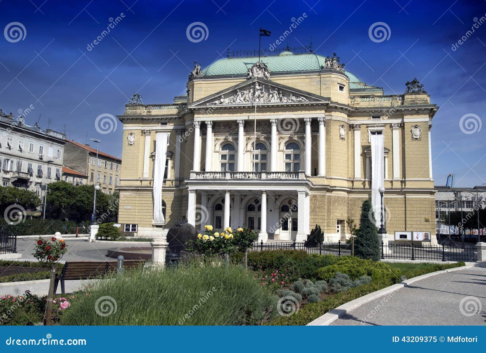 Download Teaterbyggnaden I Rijeka, Kroatien Fotografering för Bildbyråer - Bild av bygger, medelhavs: 43209375