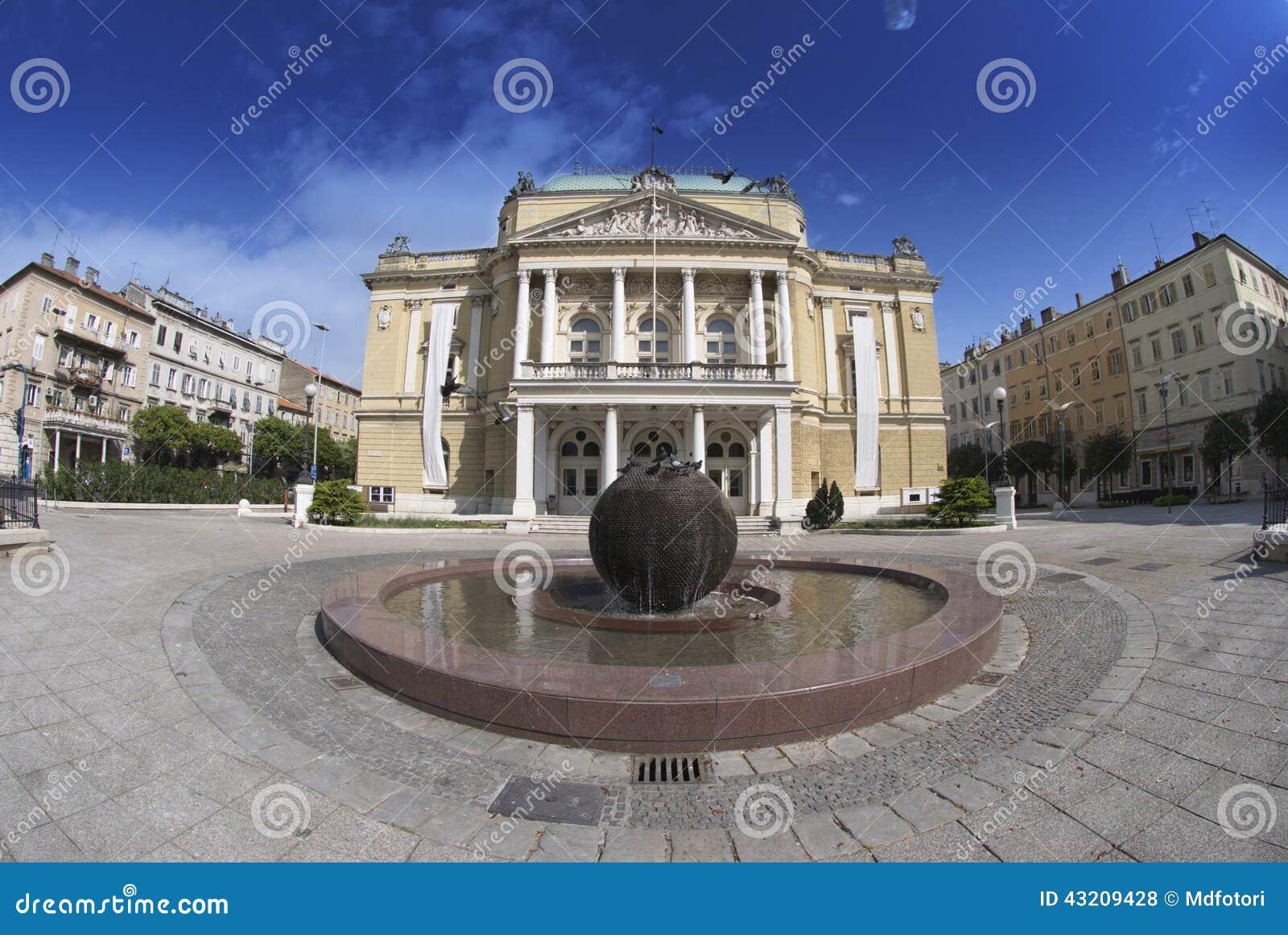 Download Teaterbyggnaden I Rijeka, Kroatien Arkivfoto - Bild av kultur, fästning: 43209428