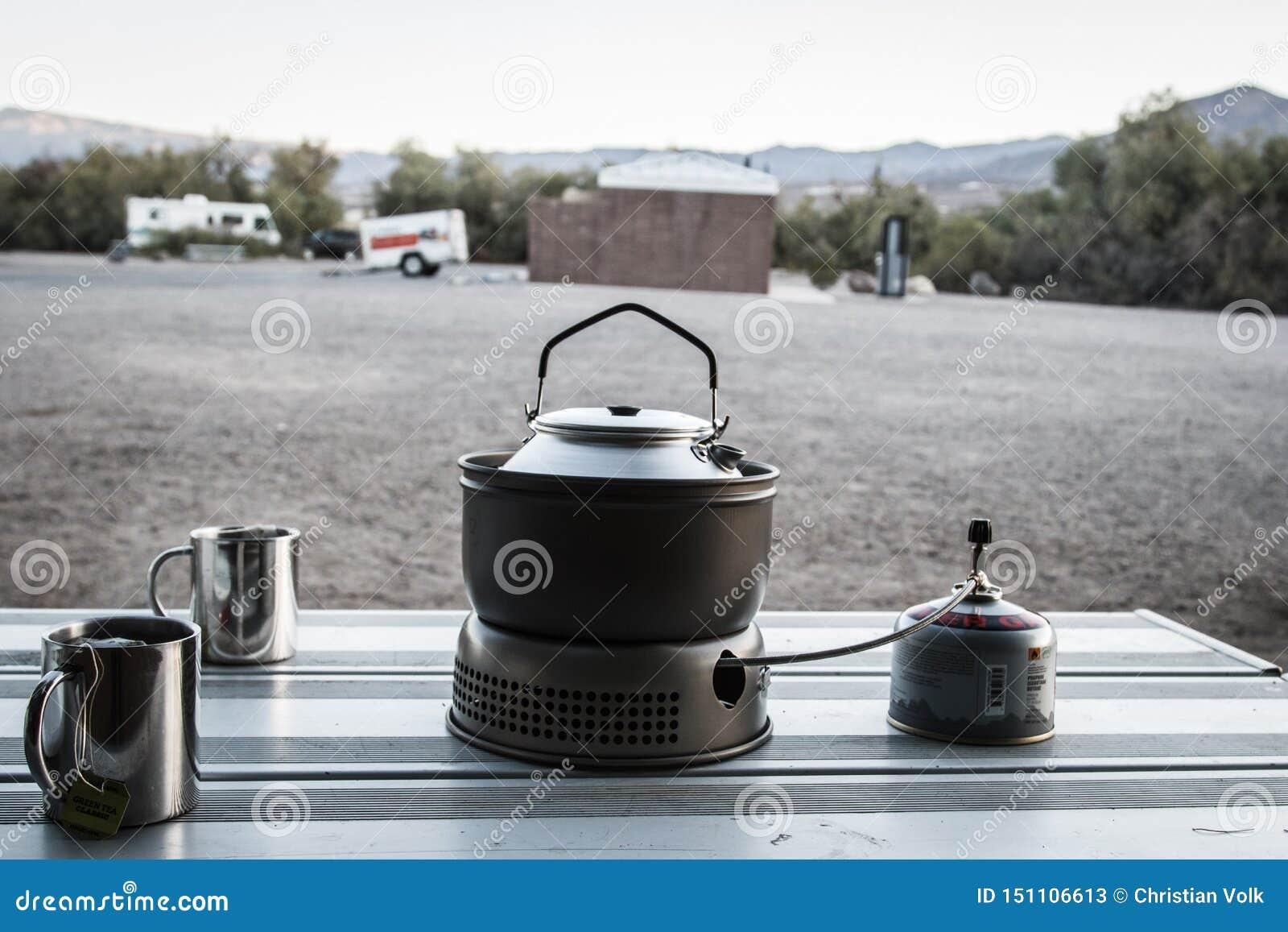 Teatime po nocy w namiocie