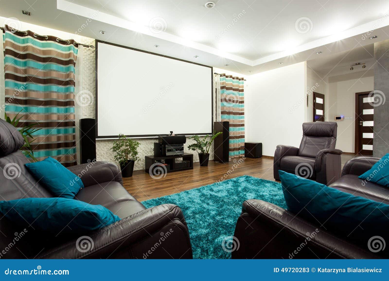 Filme Dentro Da Casa pertaining to teatro de filme na casa moderna imagem de stock - imagem de