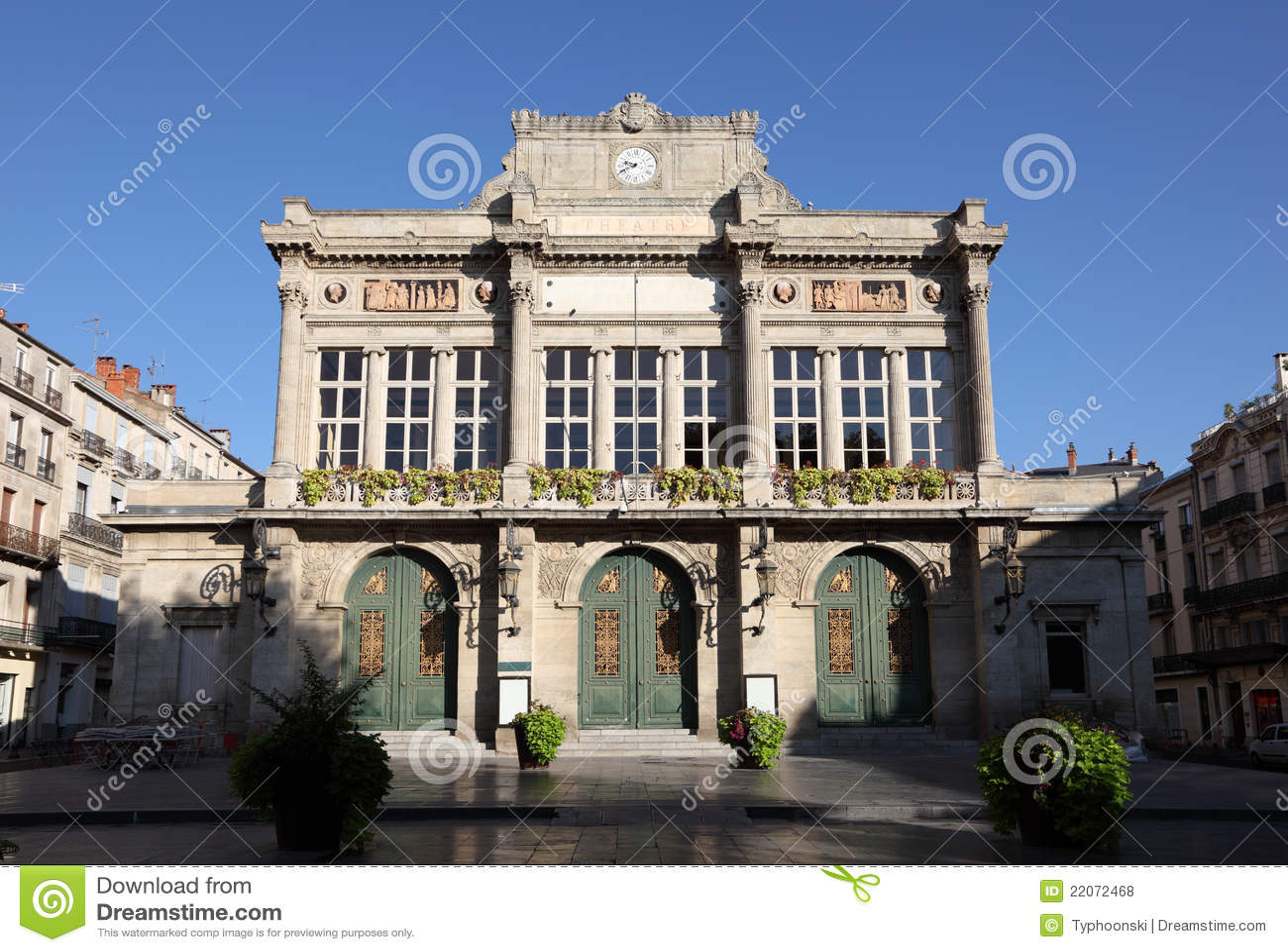 teatro municipal en beziers francia fotos de archivo libres de regal as imagen 22072468. Black Bedroom Furniture Sets. Home Design Ideas