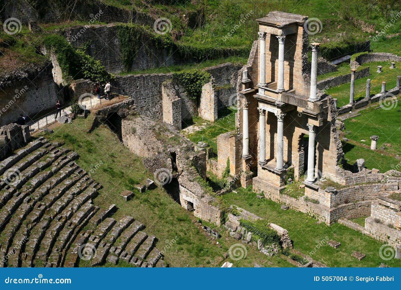 Matrimonio Romano Antico : Teatro romano antico fotografia stock immagine di antique