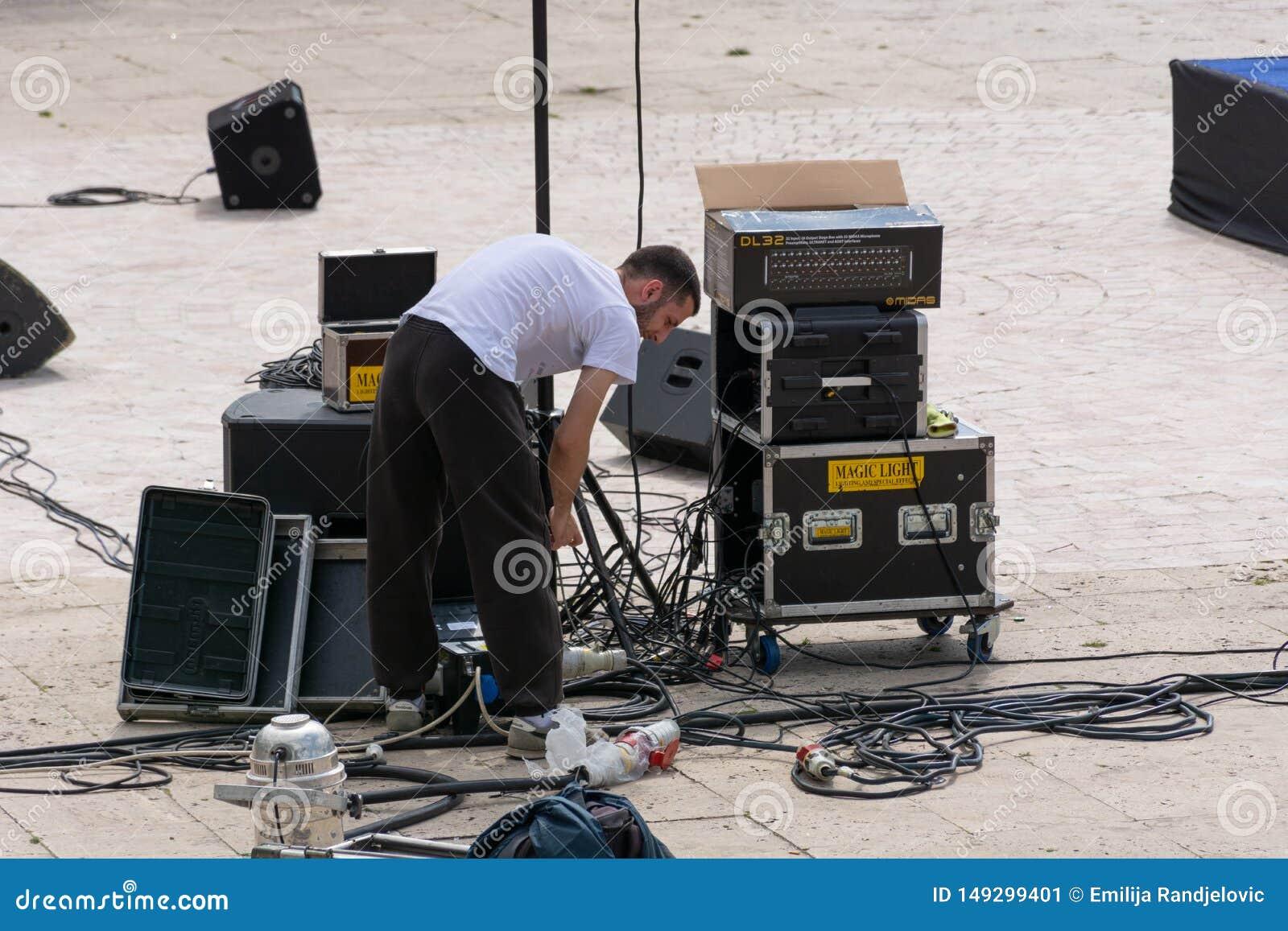 Technik ??czy muzycznych kable i m?wc?w outside