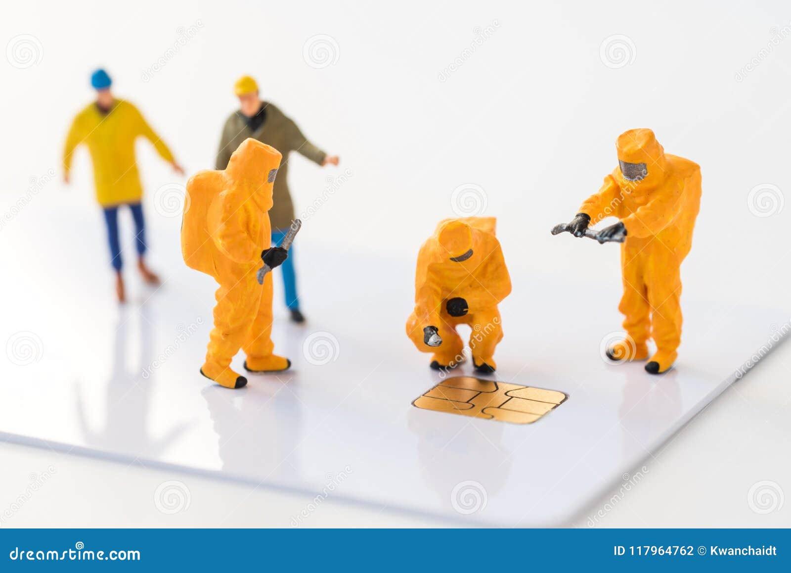 Technisches Miniaturteam überwachen Schadstoffe in Mikrosh