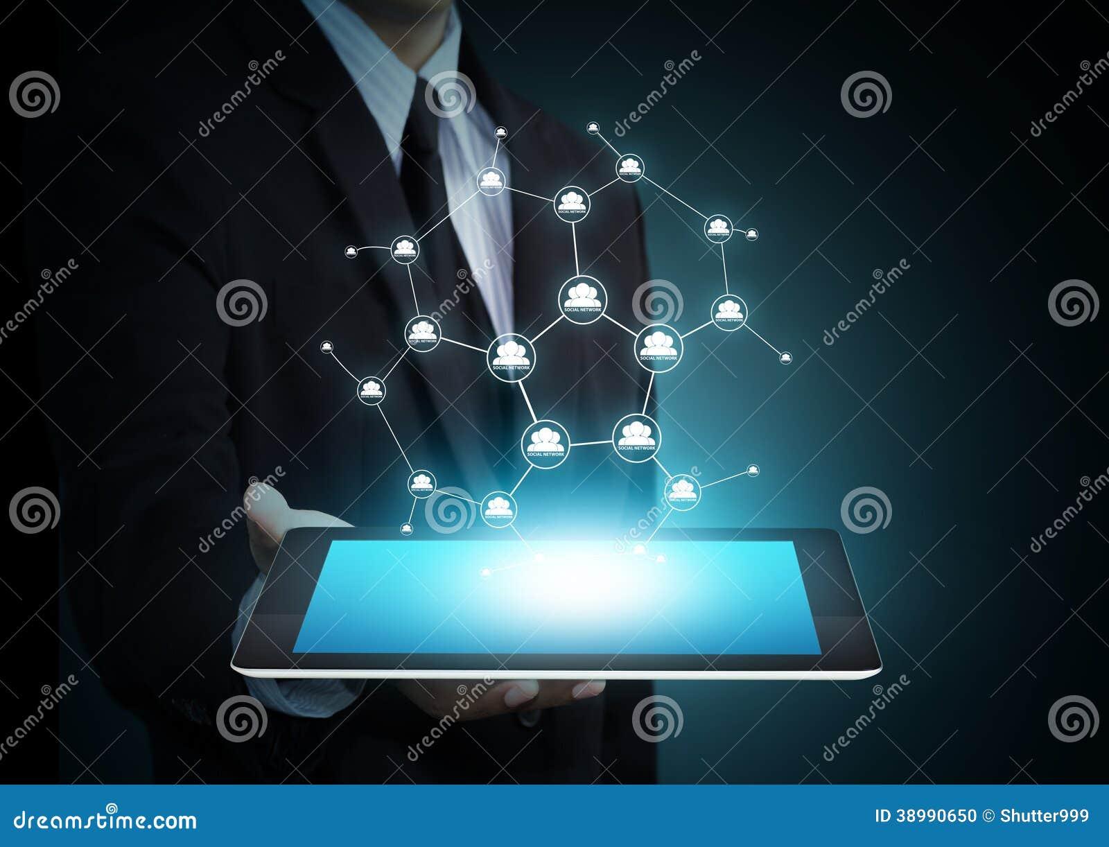 Technologie du sans fil moderne et media social