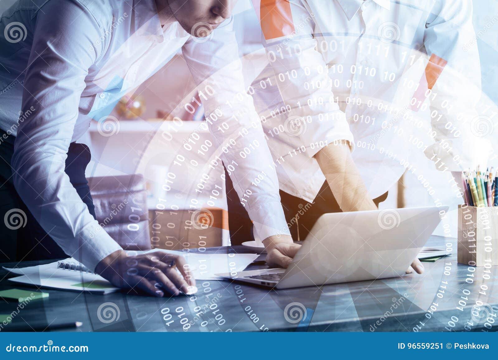 Technologie, toekomst, het coworking en vennootschapconcept