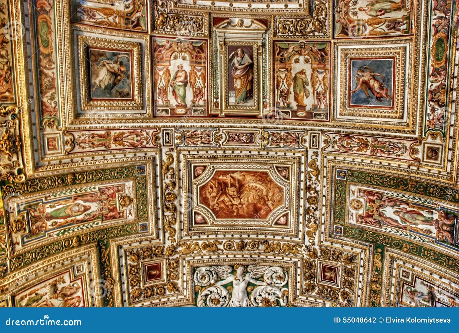 Techo exquisito de la galería de mapas, museo del Vaticano, Roma