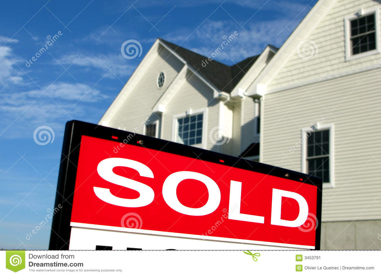 Tecken för försäljning för godshus sålt verkligt