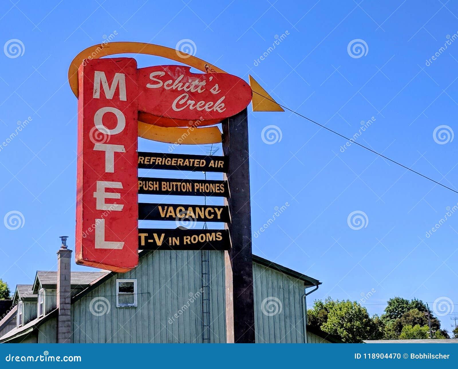 Tecknet för motell för liten vik för Schitt ` s som presenterat i TV-serie för liten vik för Schitt ` s