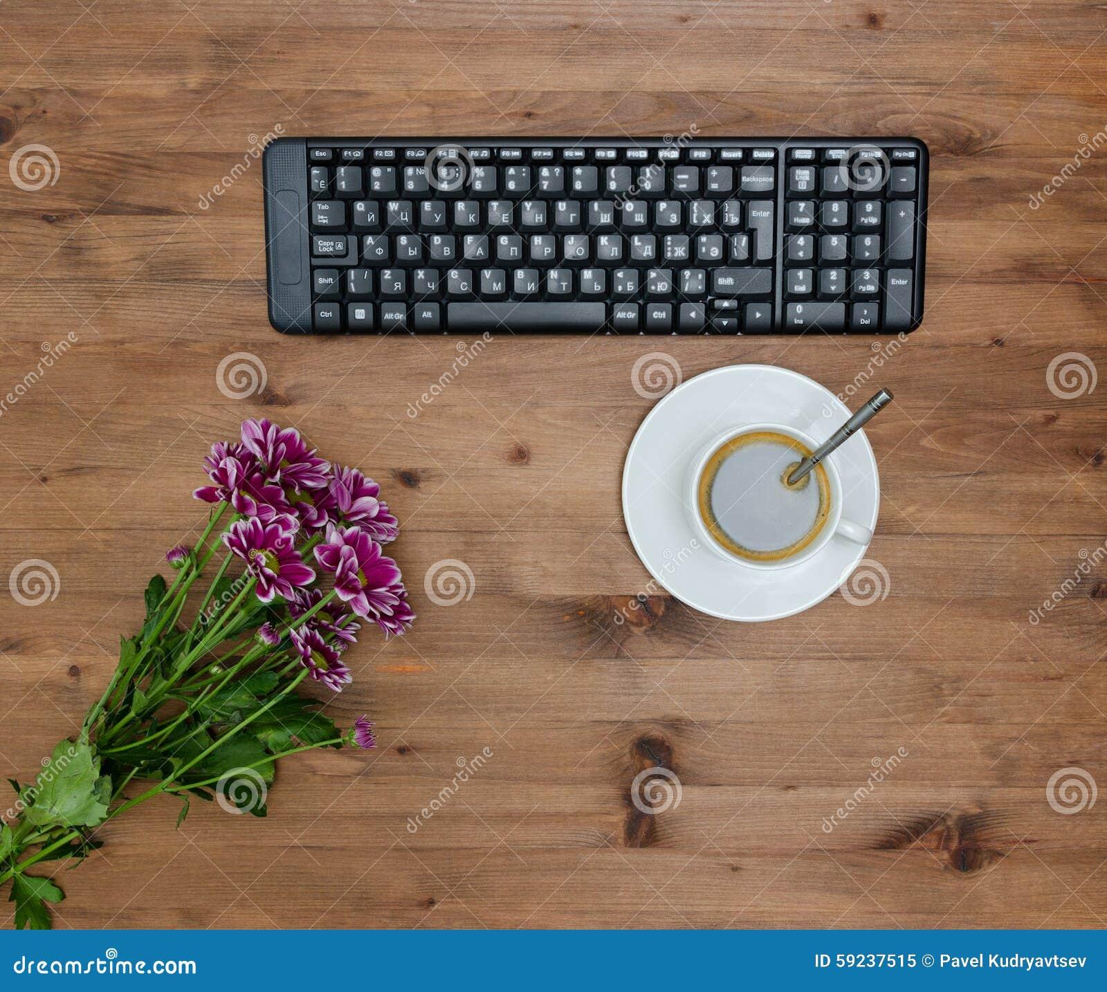 Download Teclado De Ordenador, Café De La Taza Y Flor Imagen de archivo - Imagen de café, clip: 59237515