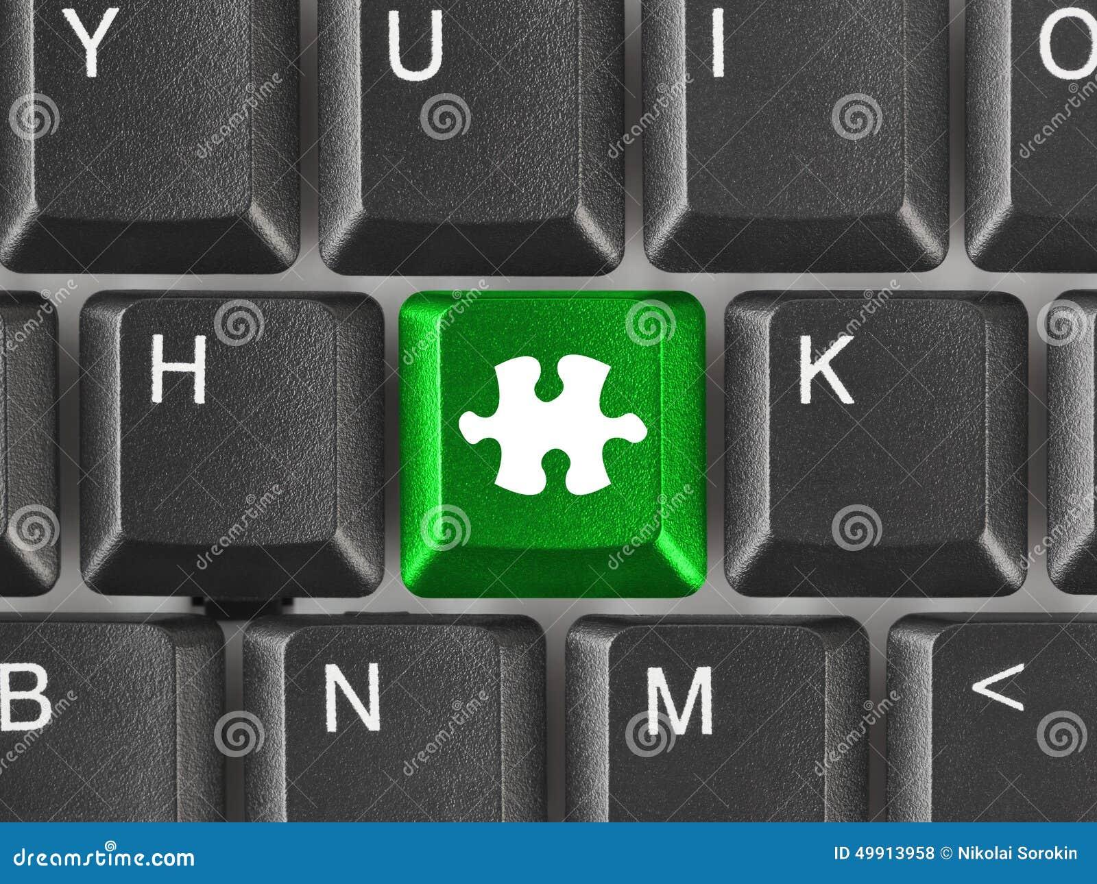 Teclado de ordenador con llave del rompecabezas foto de - Foto teclado ordenador ...