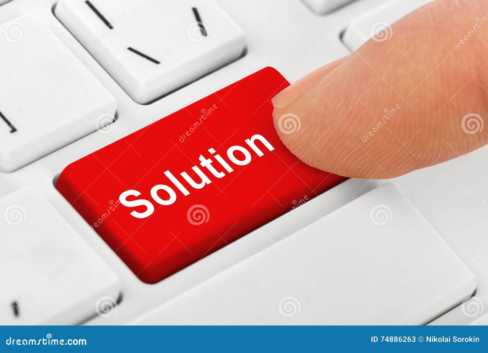 Teclado do caderno do computador com chave das soluções