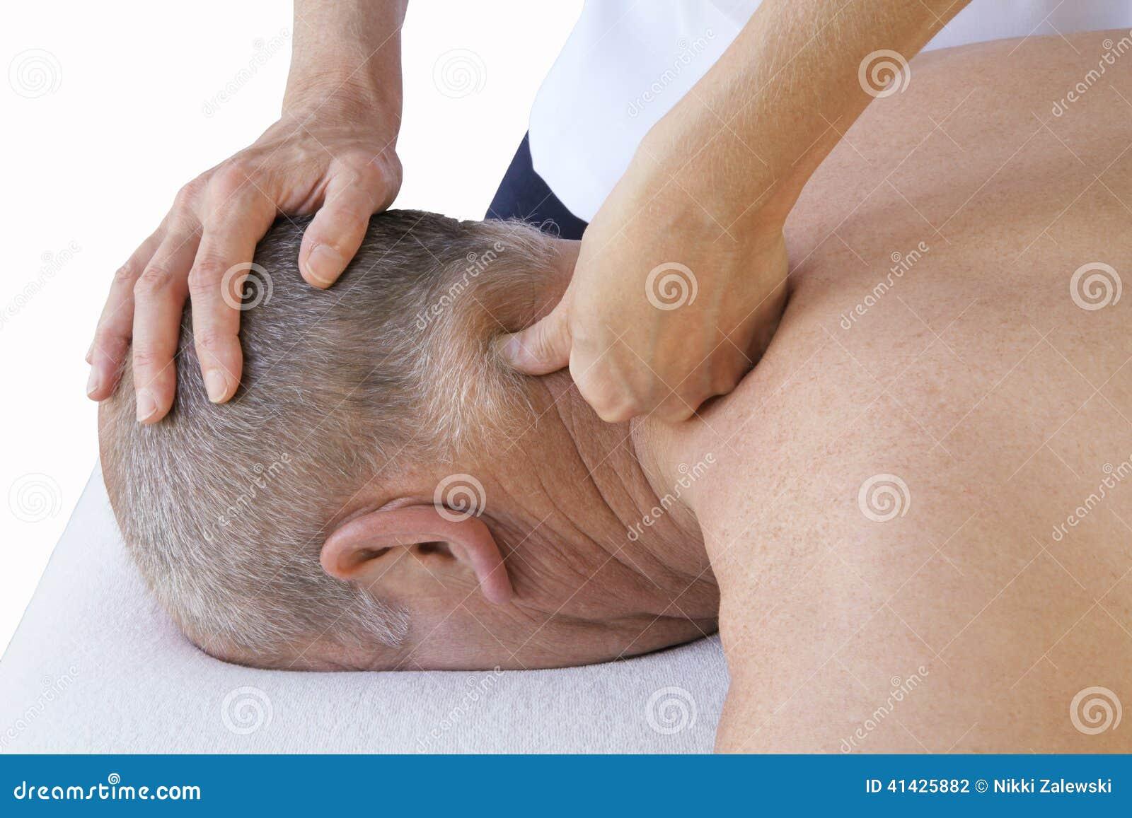 Tecnica di massaggio di sport sui muscoli cervicali