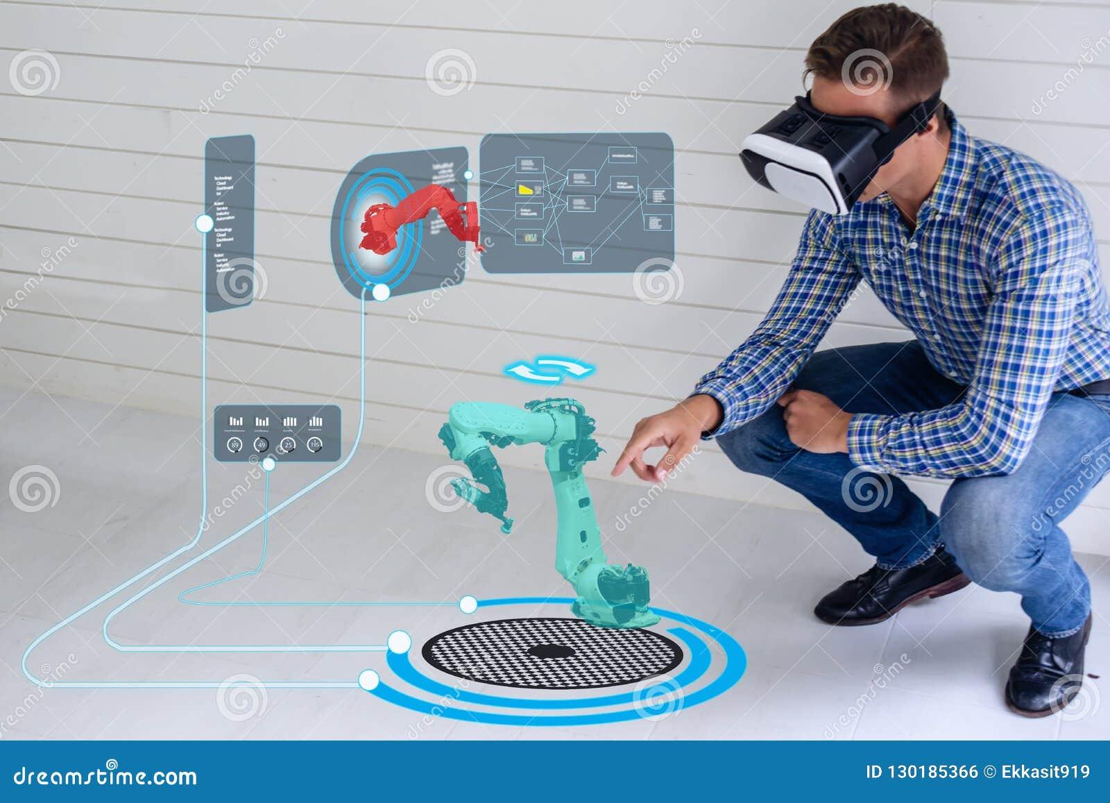 Tecnologia astuta di Iot futuristica nell industria 4 0 concetti, uso dell ingegnere hanno aumentato la realtà virtuale mista ad