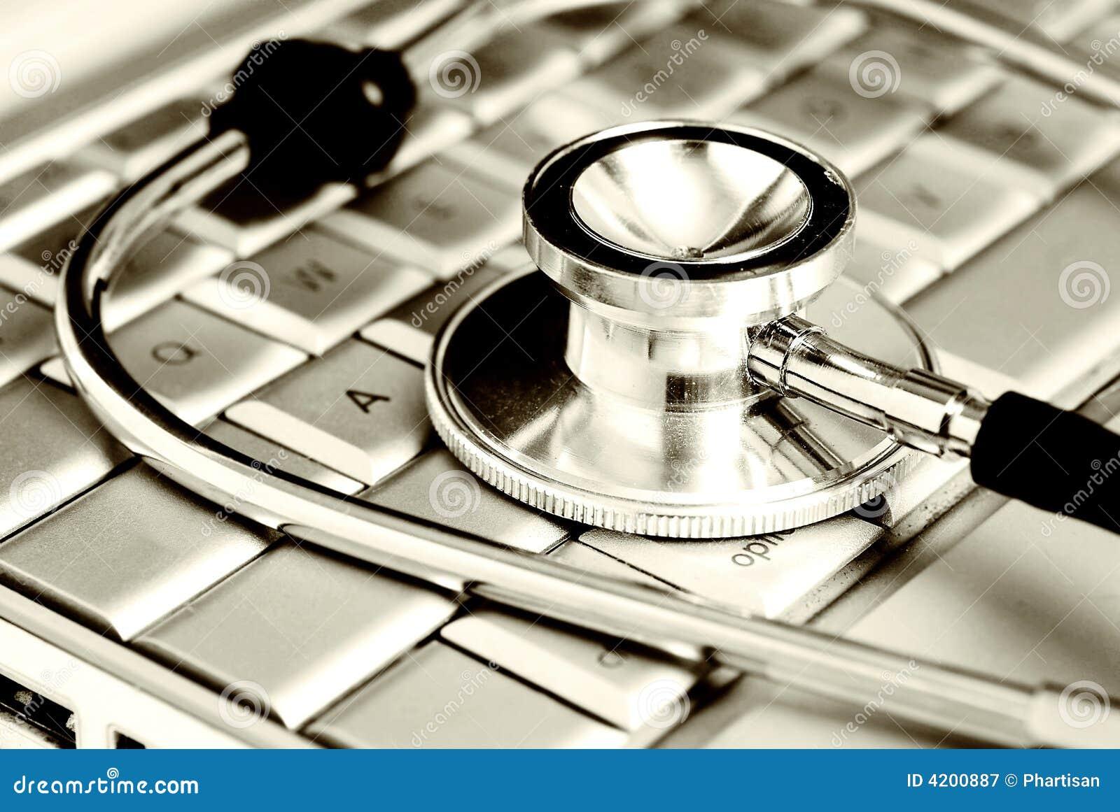 Royalty free: tecnologia e medicina - estetoscópio de prata sobre