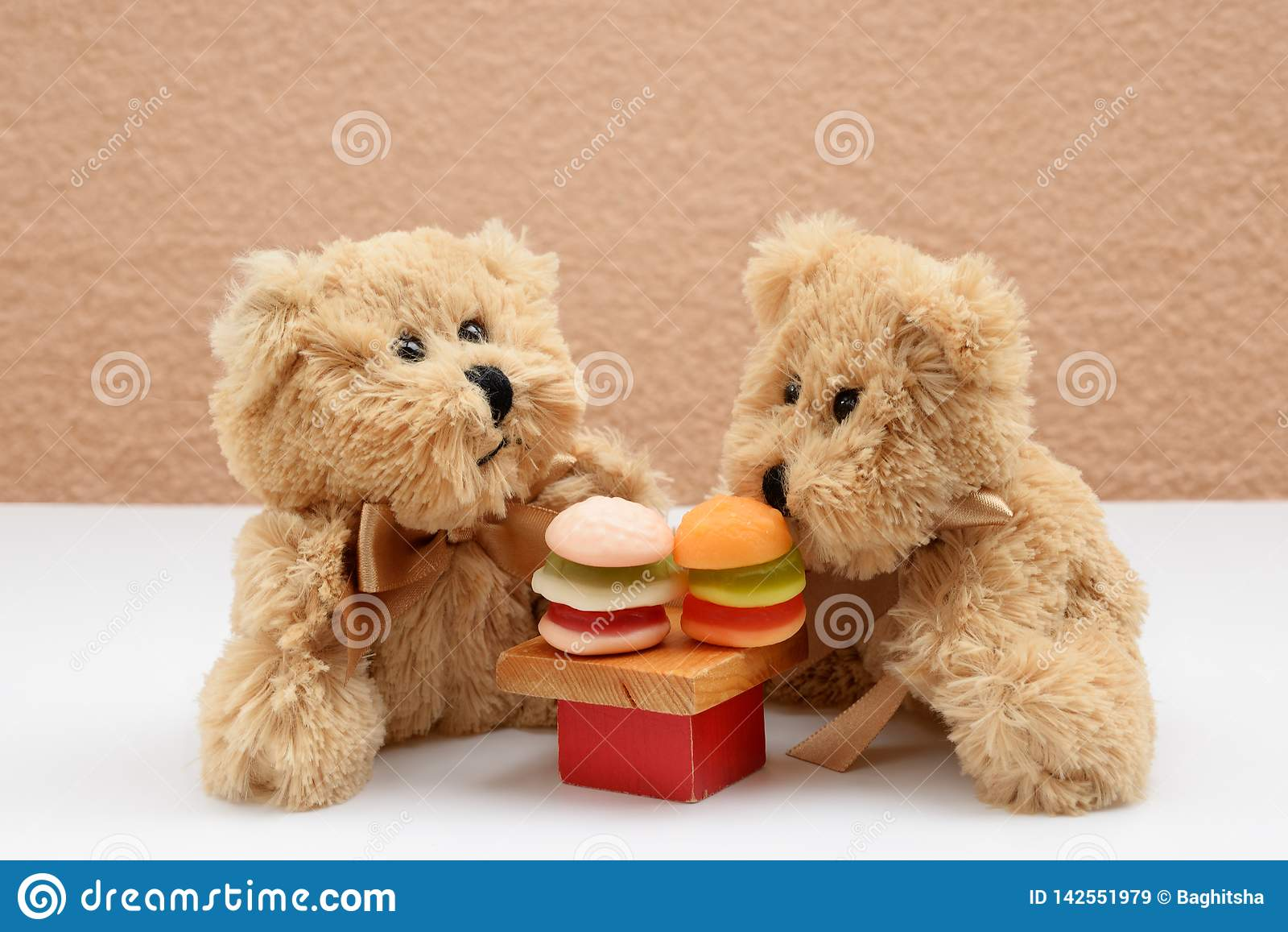 Teddy Bear dating site Kid dating app