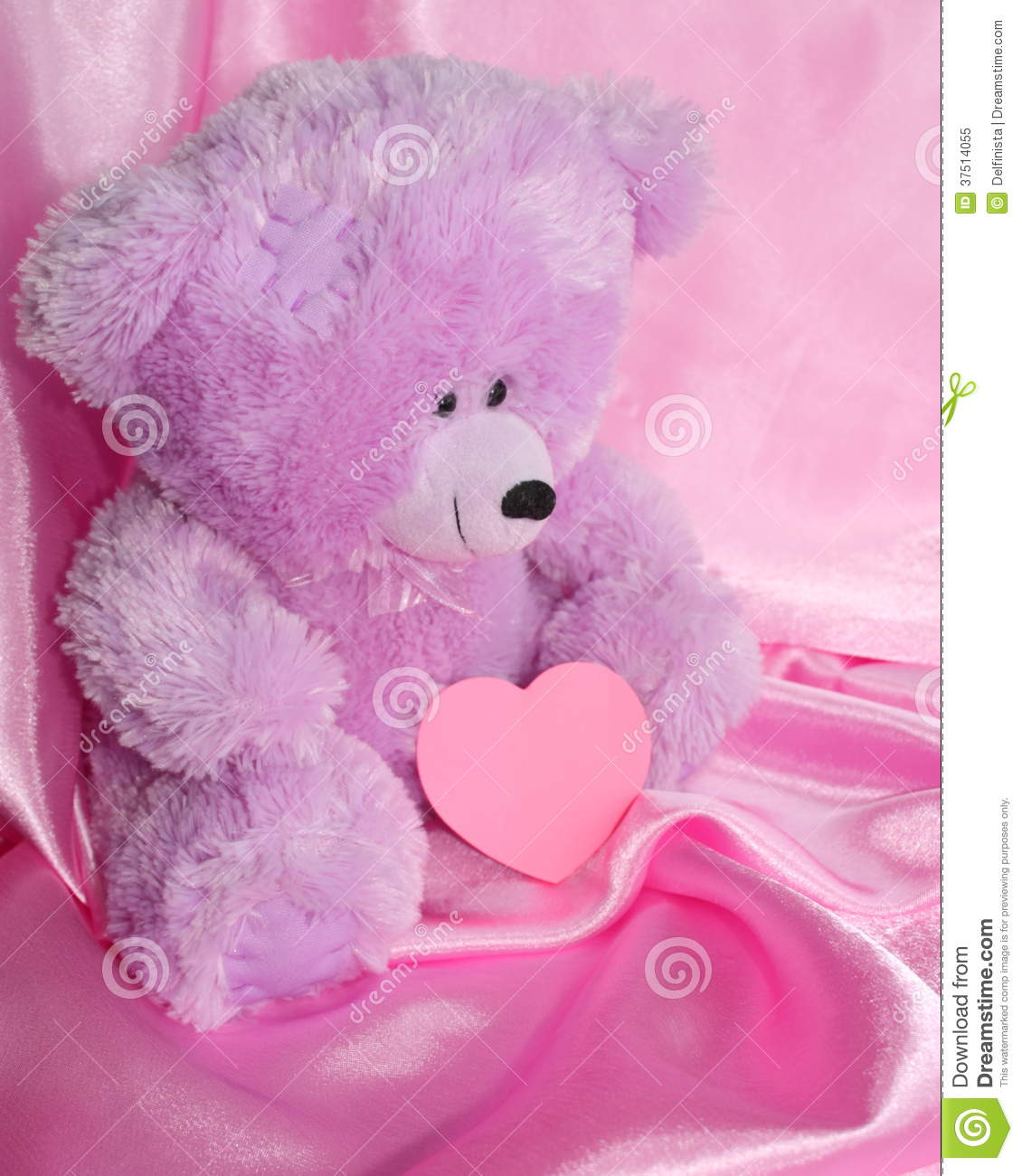Teddy Bear And Pink Heart On Purple Stock Photos Stock Image