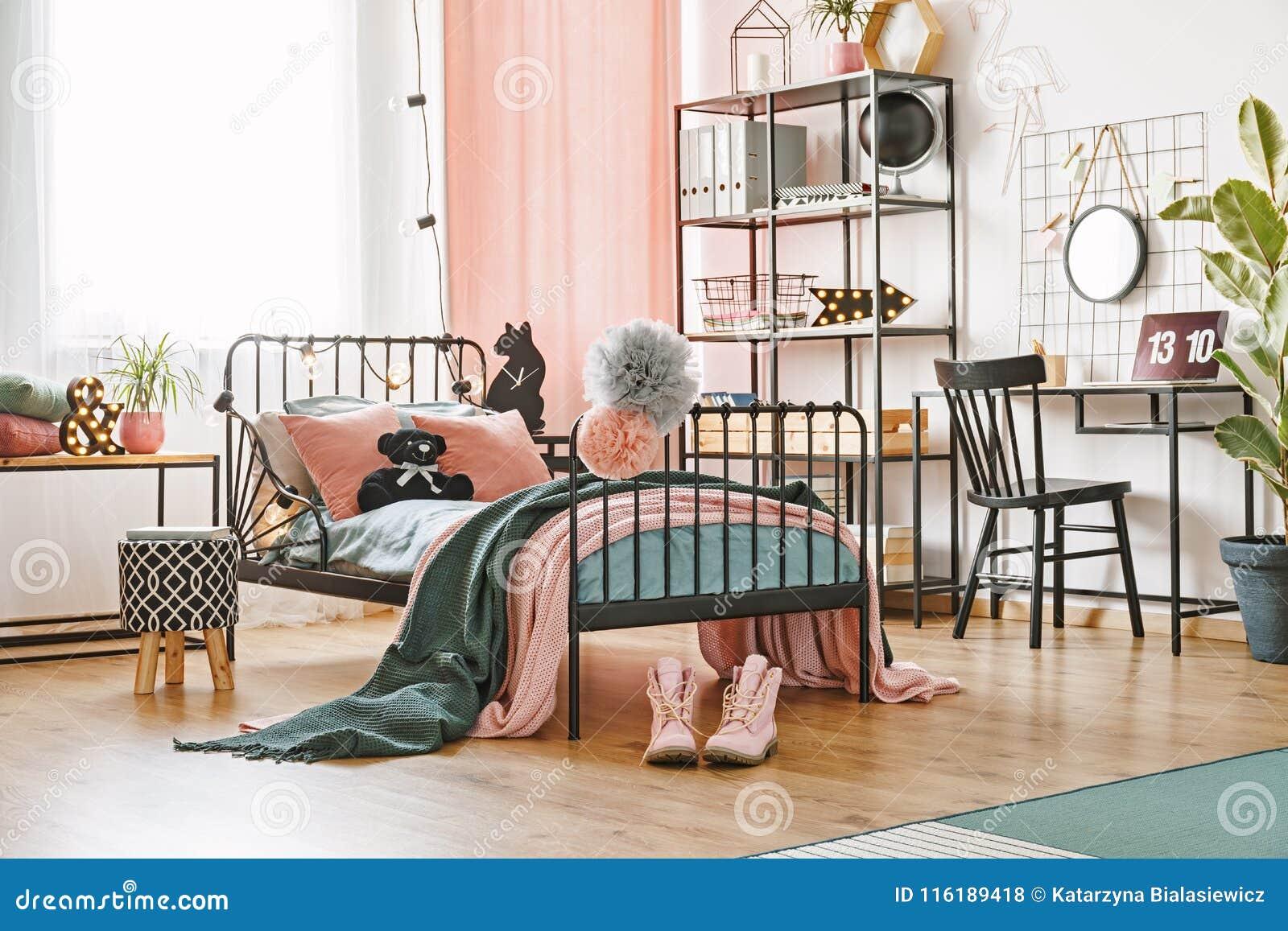 Teddy Bear sul letto