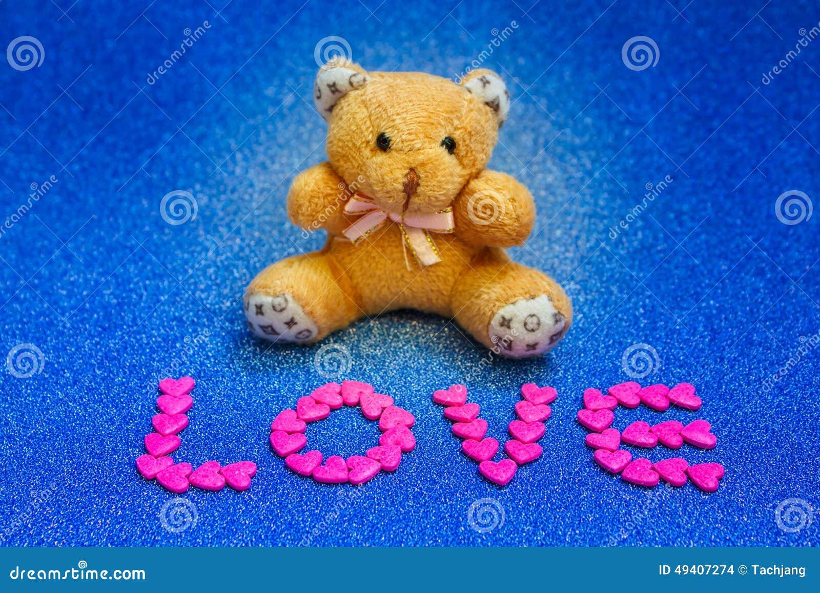Download Teddybär Betreffen Blauen Hintergrund Stockfoto - Bild von marry, weich: 49407274