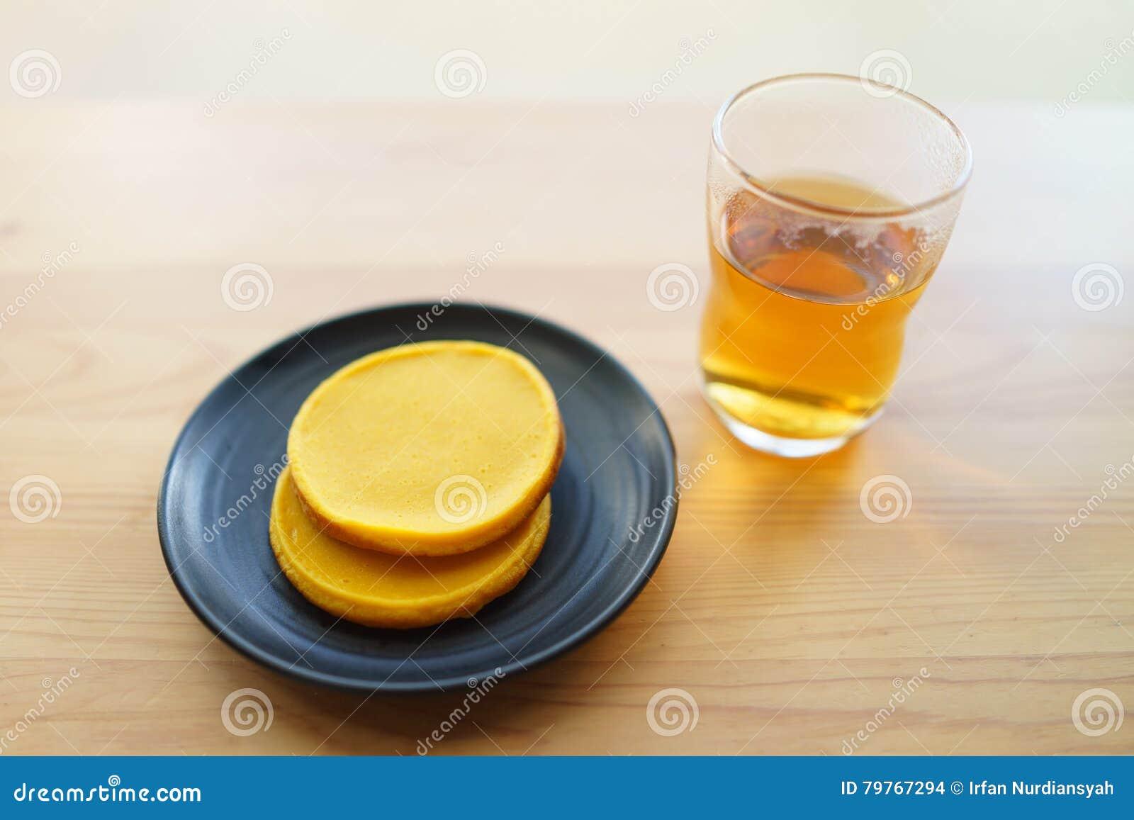 Tee Und Kurbis Kuchen Stockfoto Bild Von Kostlich Einfach 79767294