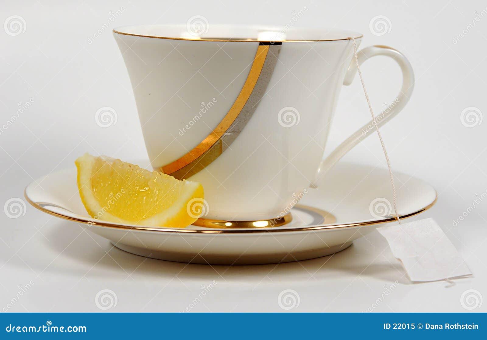 Tee und Zitrone