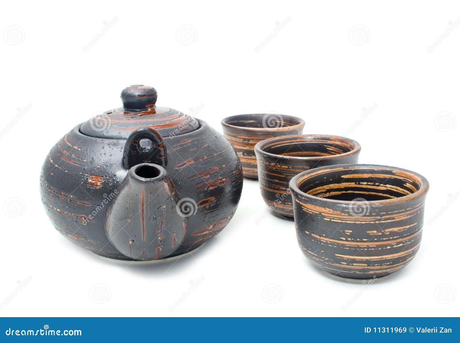 Teekanne und Gläser