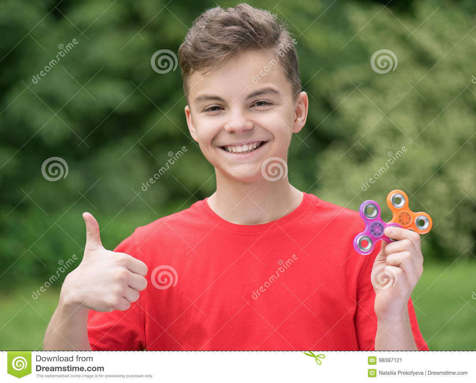 Amateur teen flashing bum