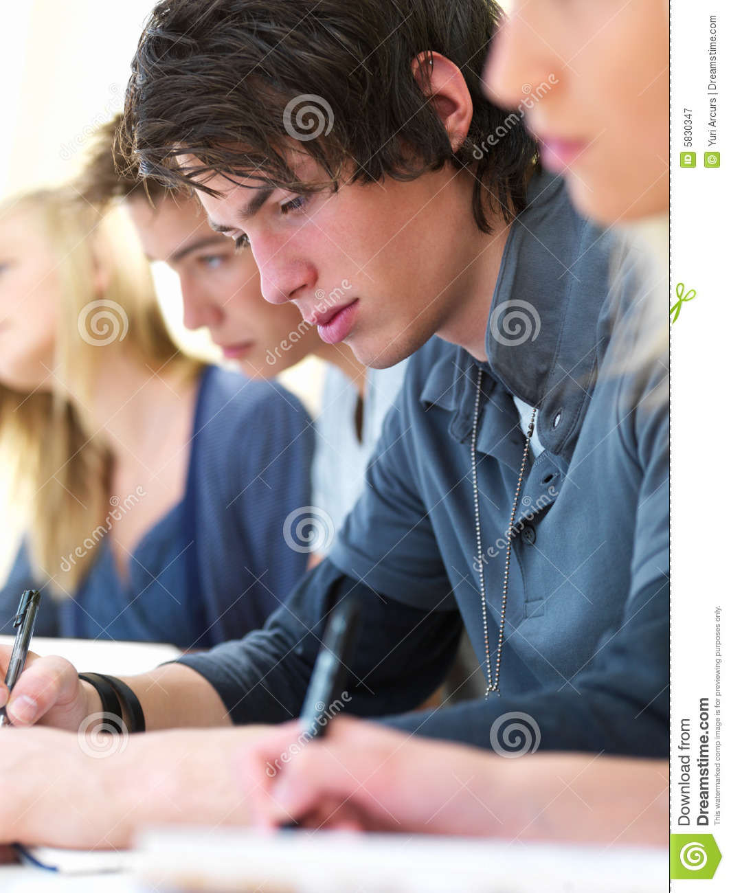 essay girls boys Who writes better college application essays: boys or girls when i gave one of  my summer college application essay writing boot camps this.
