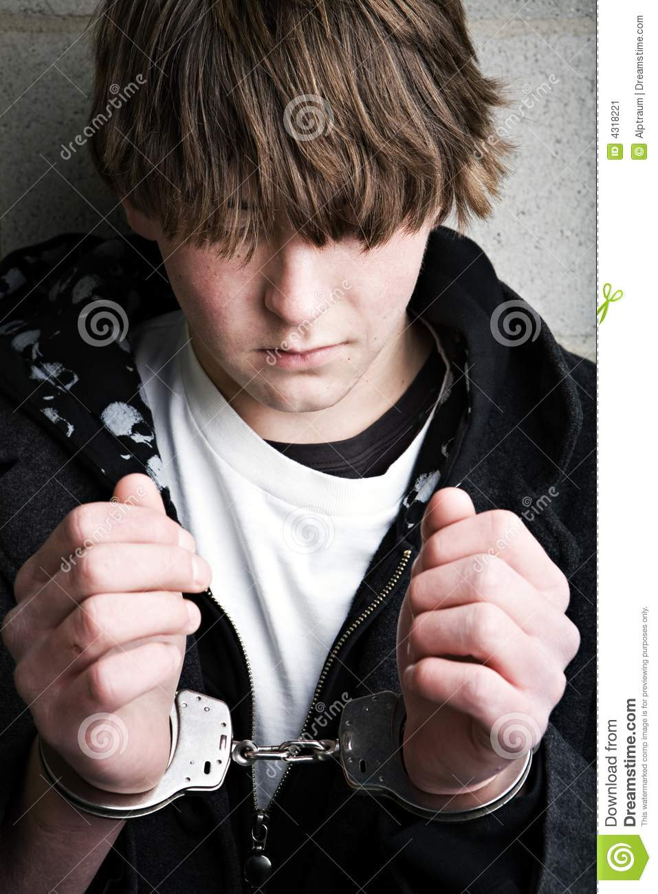 teenagers crime Almost one in three american teenagers and young adults have been arrested by the age of 23 for anything from drug use to violent crime experts believe the increase.