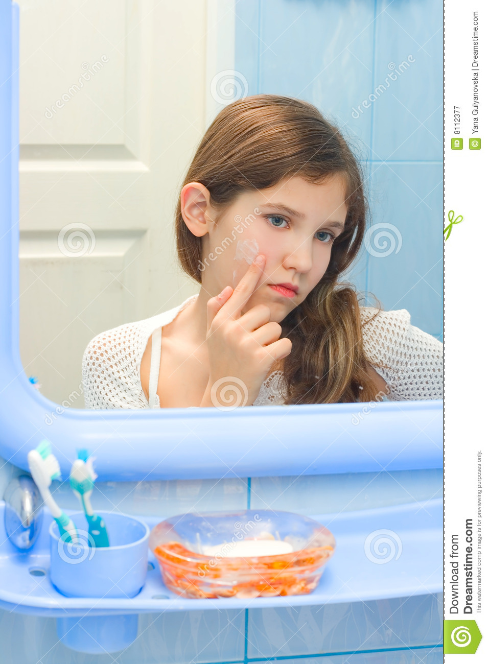 Teen girl in bathroom stock image image of girl dreary for Teen bathroom pictures