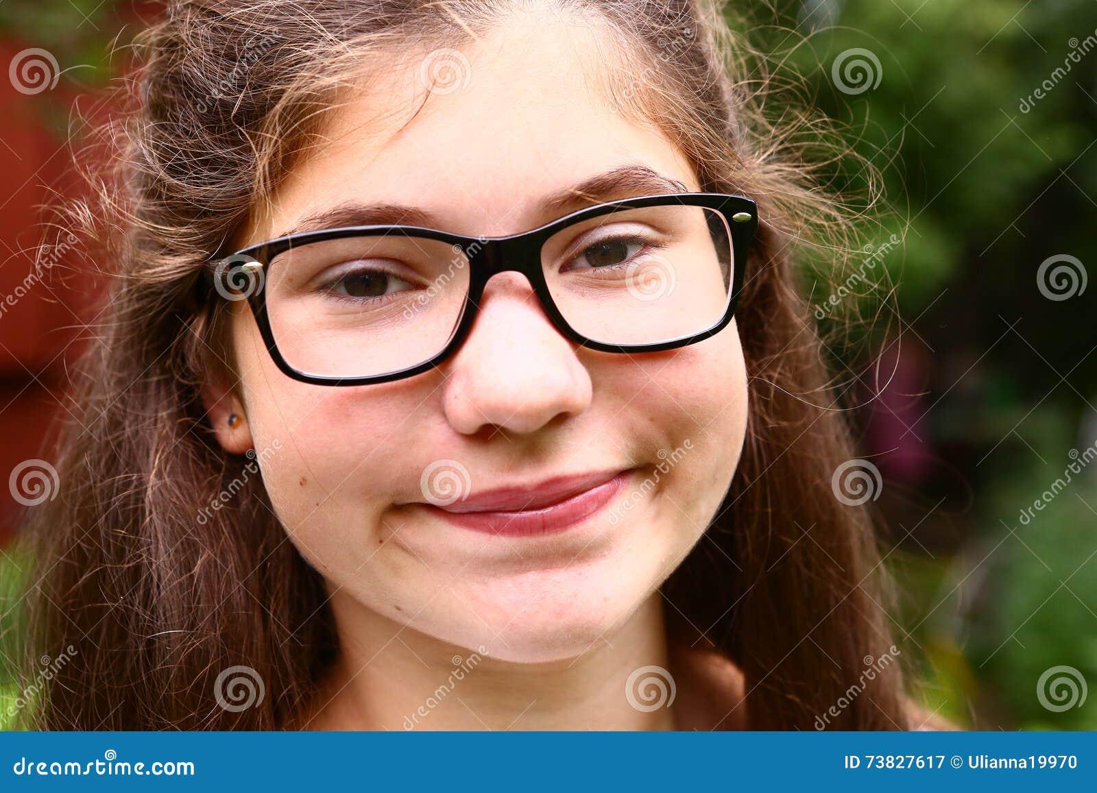 Teen Brunette Giving Head