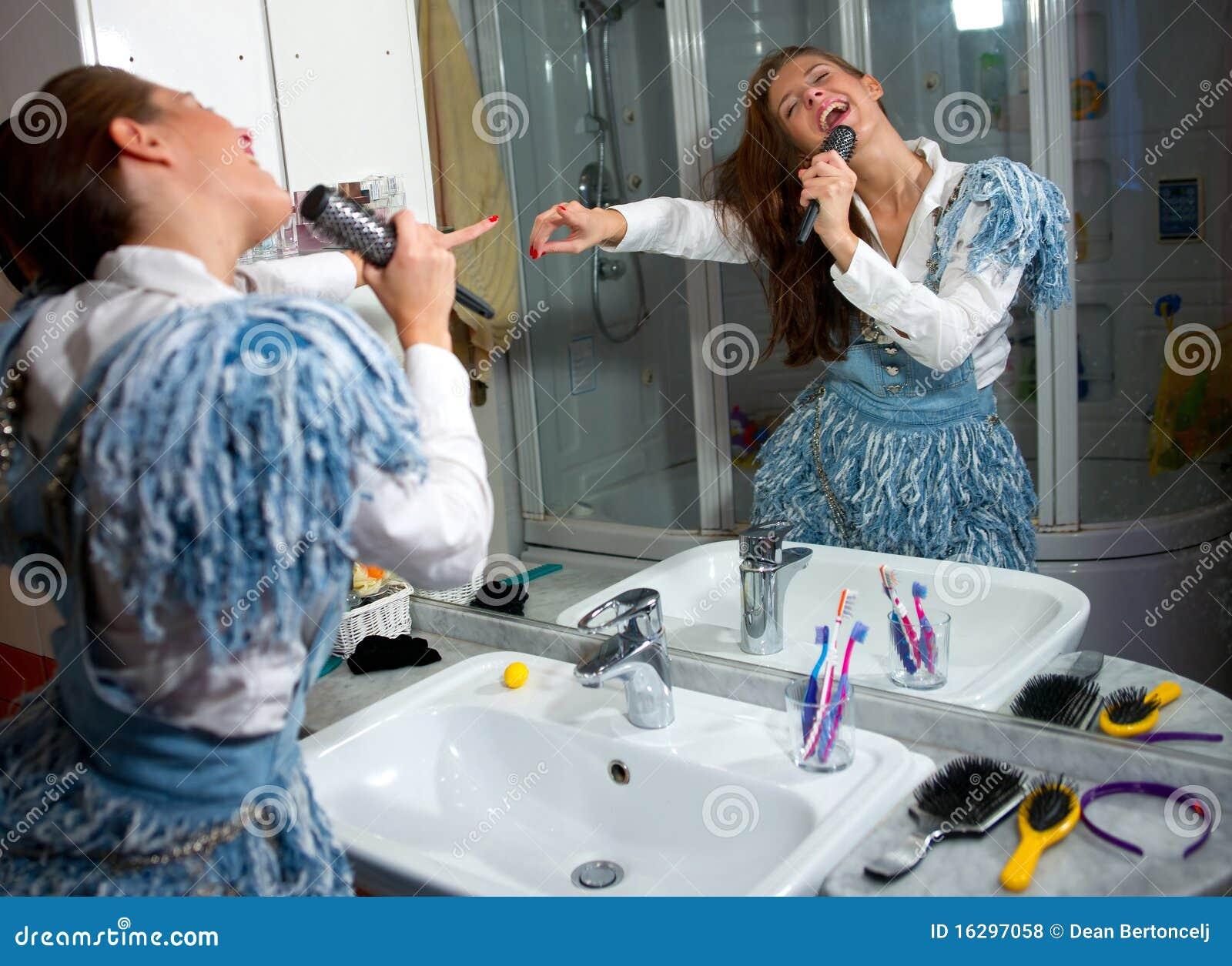 Teen Girl Singing Royalty Free Stock Photos Image 16297058