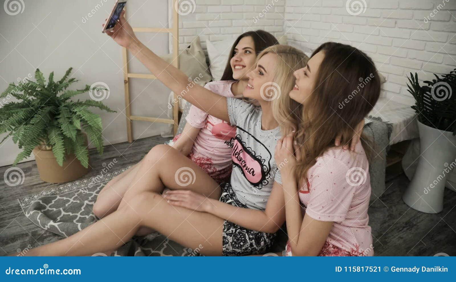 Nude teen girls bending down