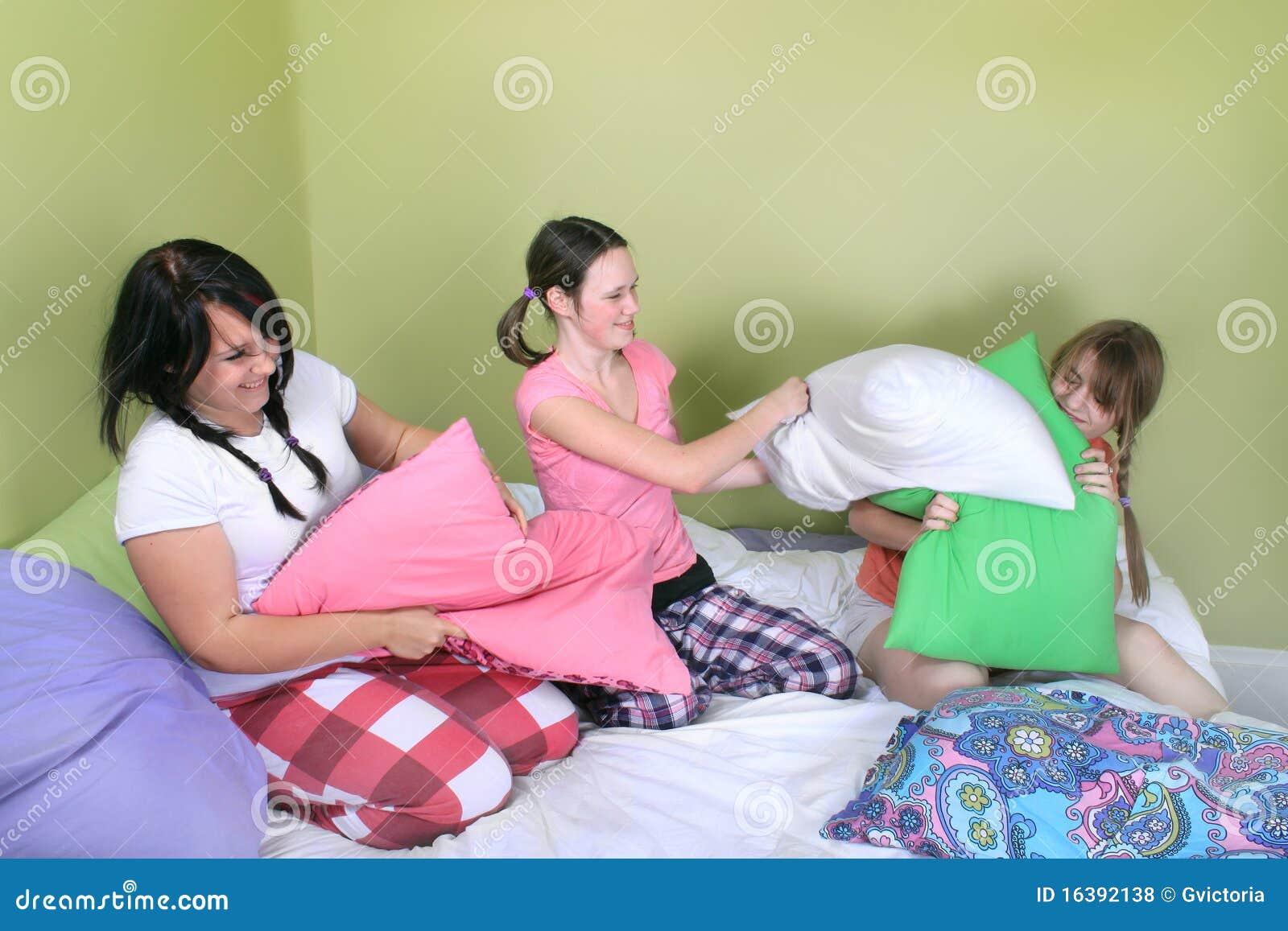 Teen Pillow Fight Pics 42
