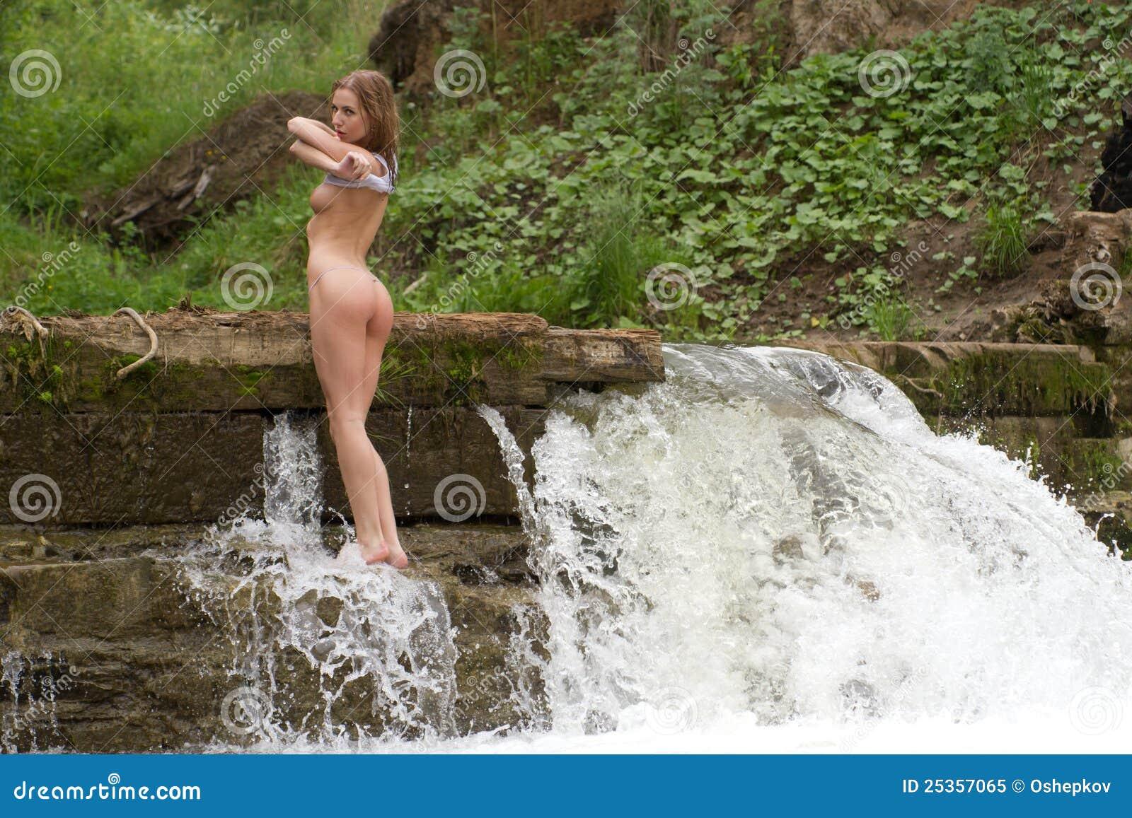 Waterfall Naked 80