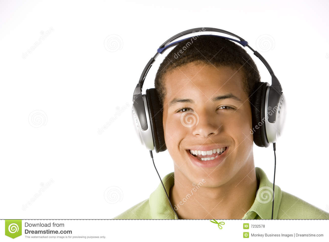teenage-boy-listening-to-music-headphones-7232578.jpg