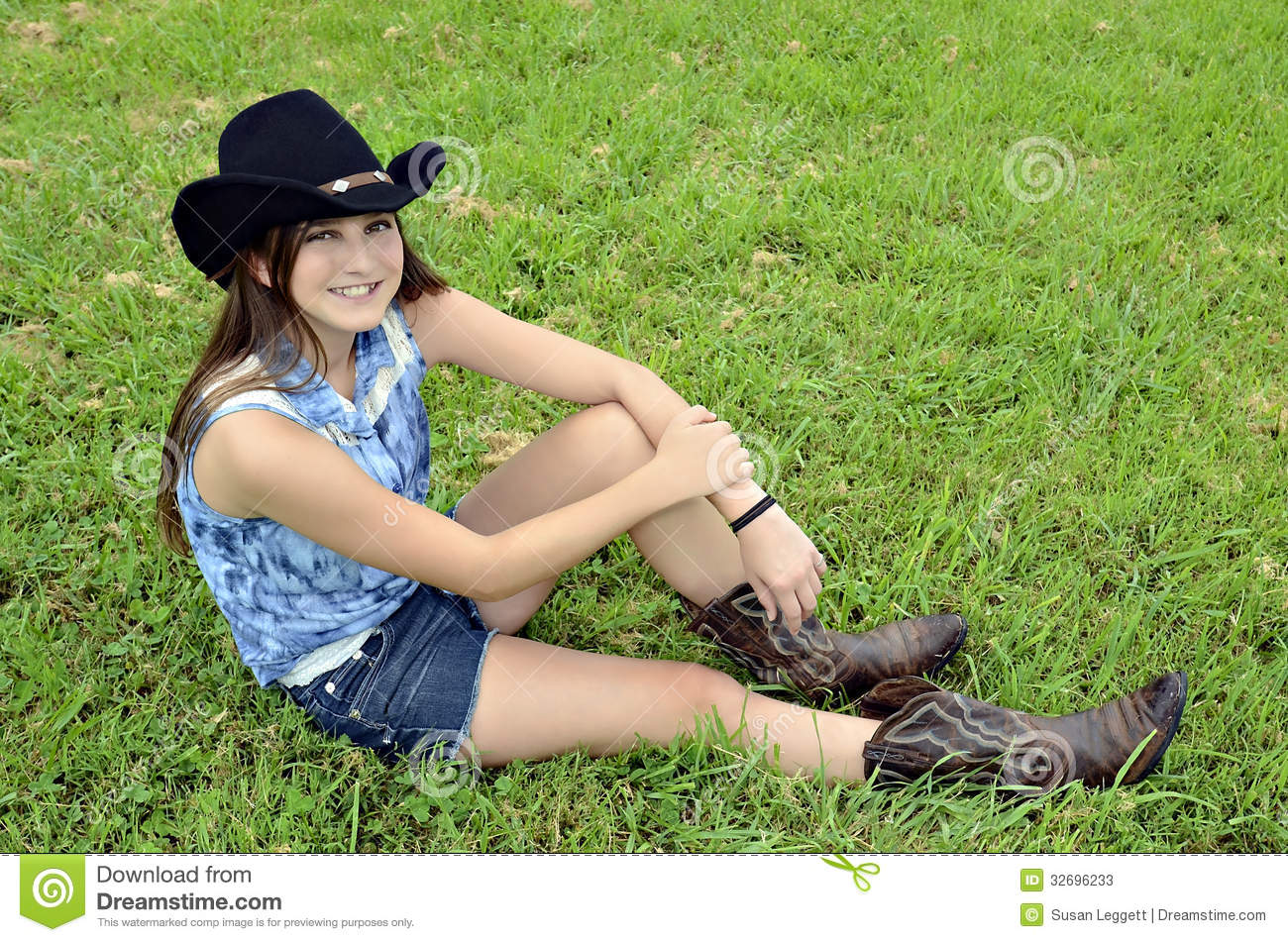 Cute teen cowgirl